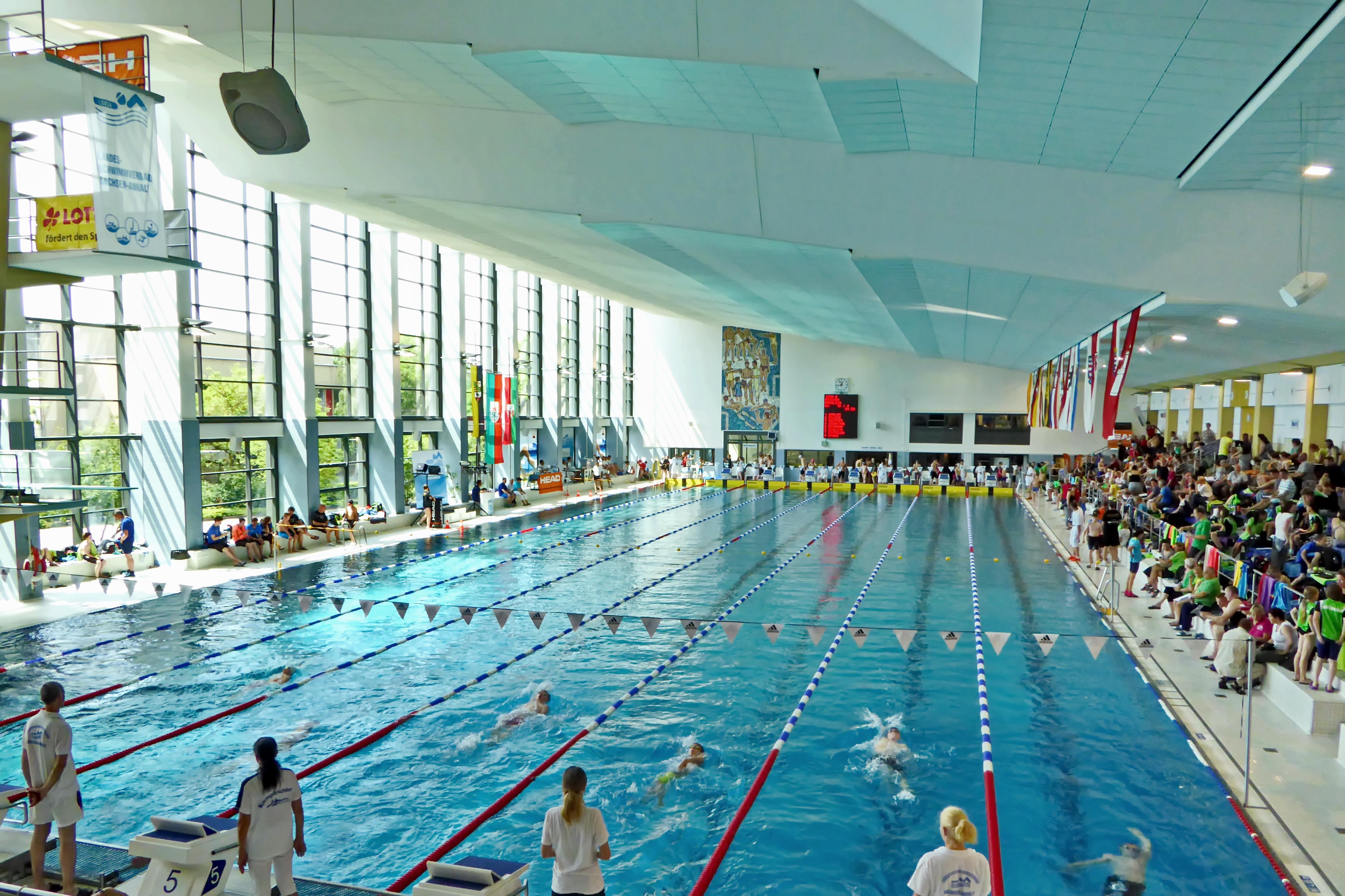 Sfondi nuoto interno magdeburg baden elba - Piscina al coperto milano ...
