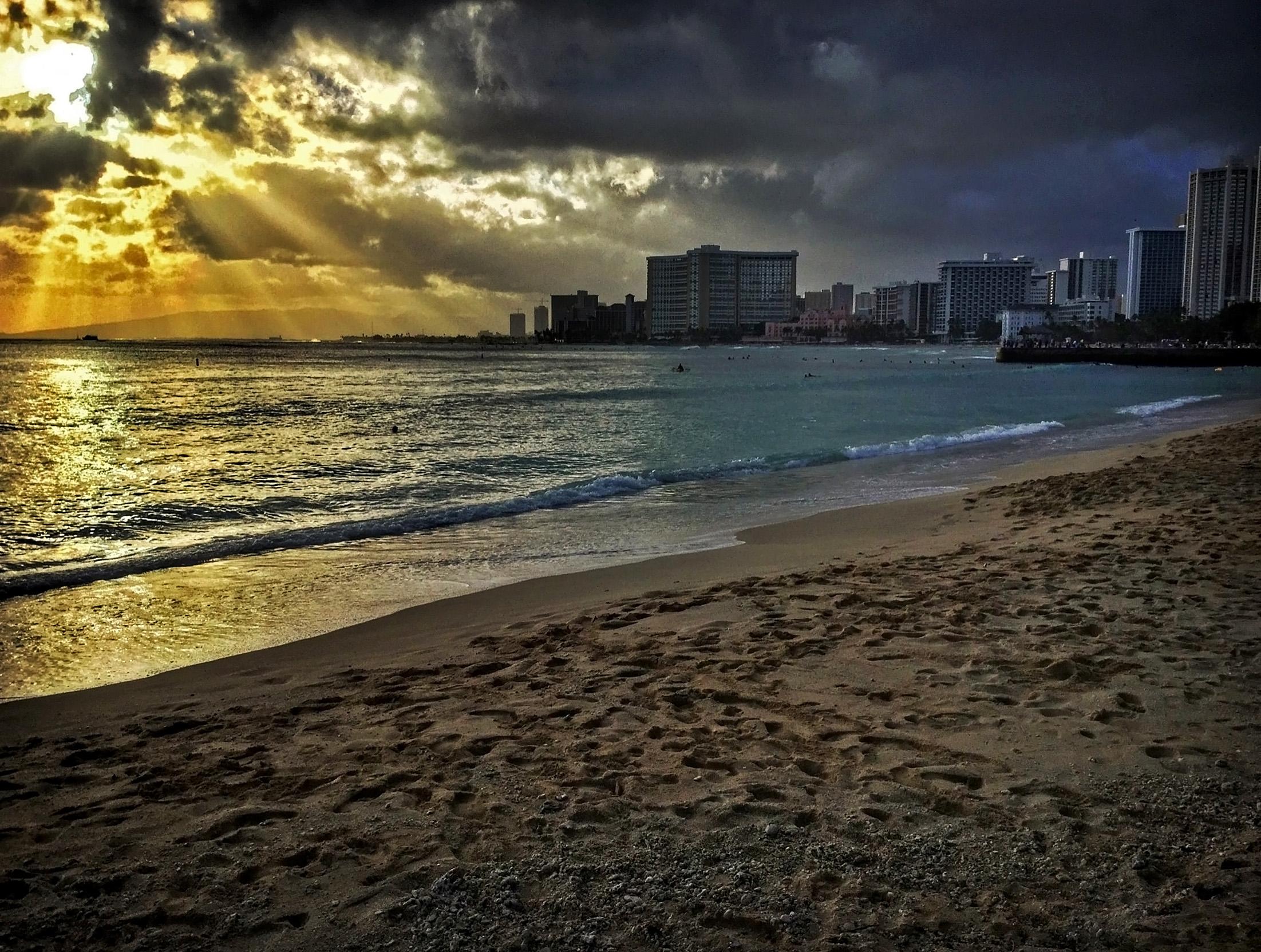 Waikiki Beach Ipad Air Wallpaper