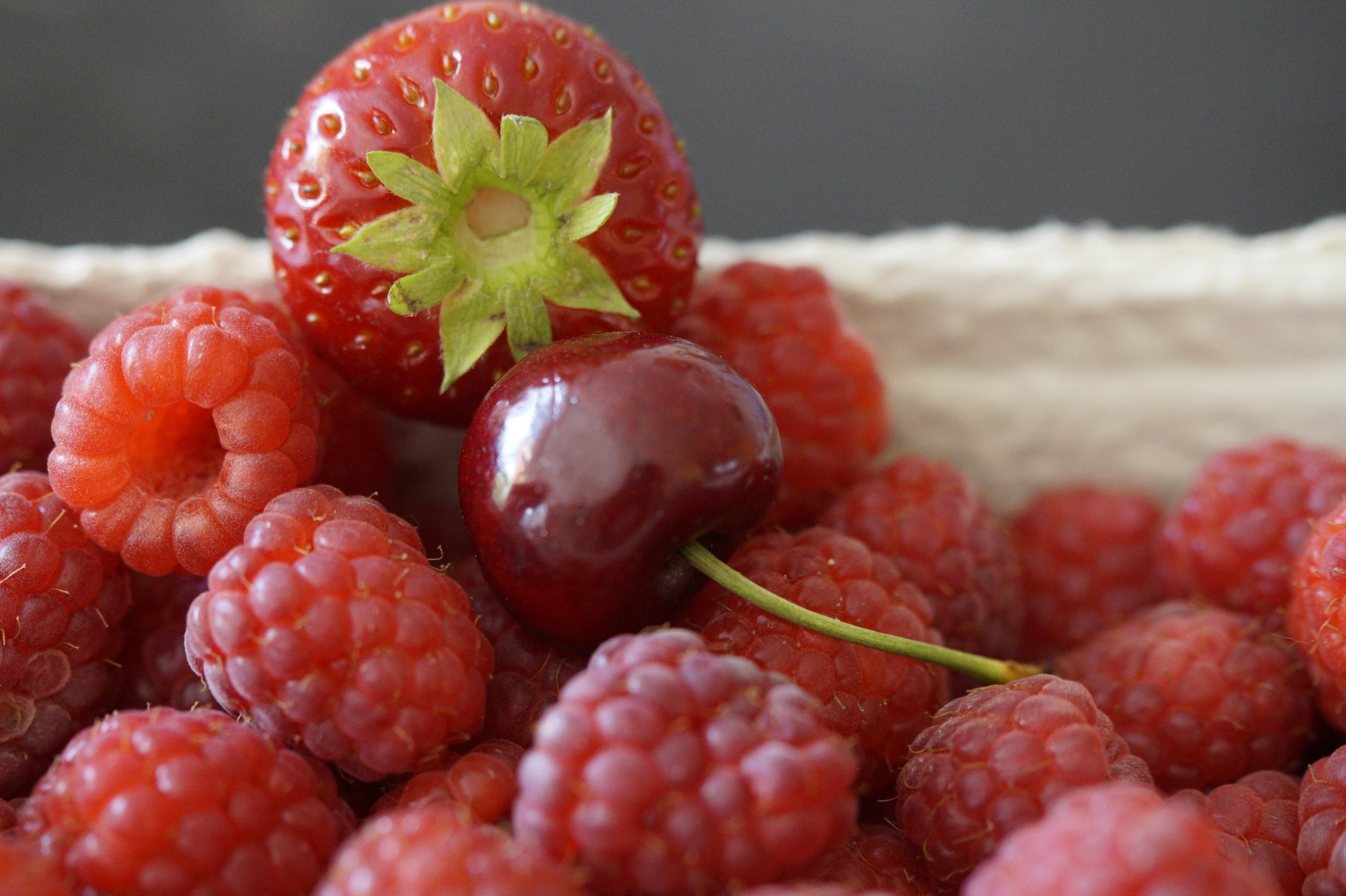 картинки с ягодами на рабочий стол красивые