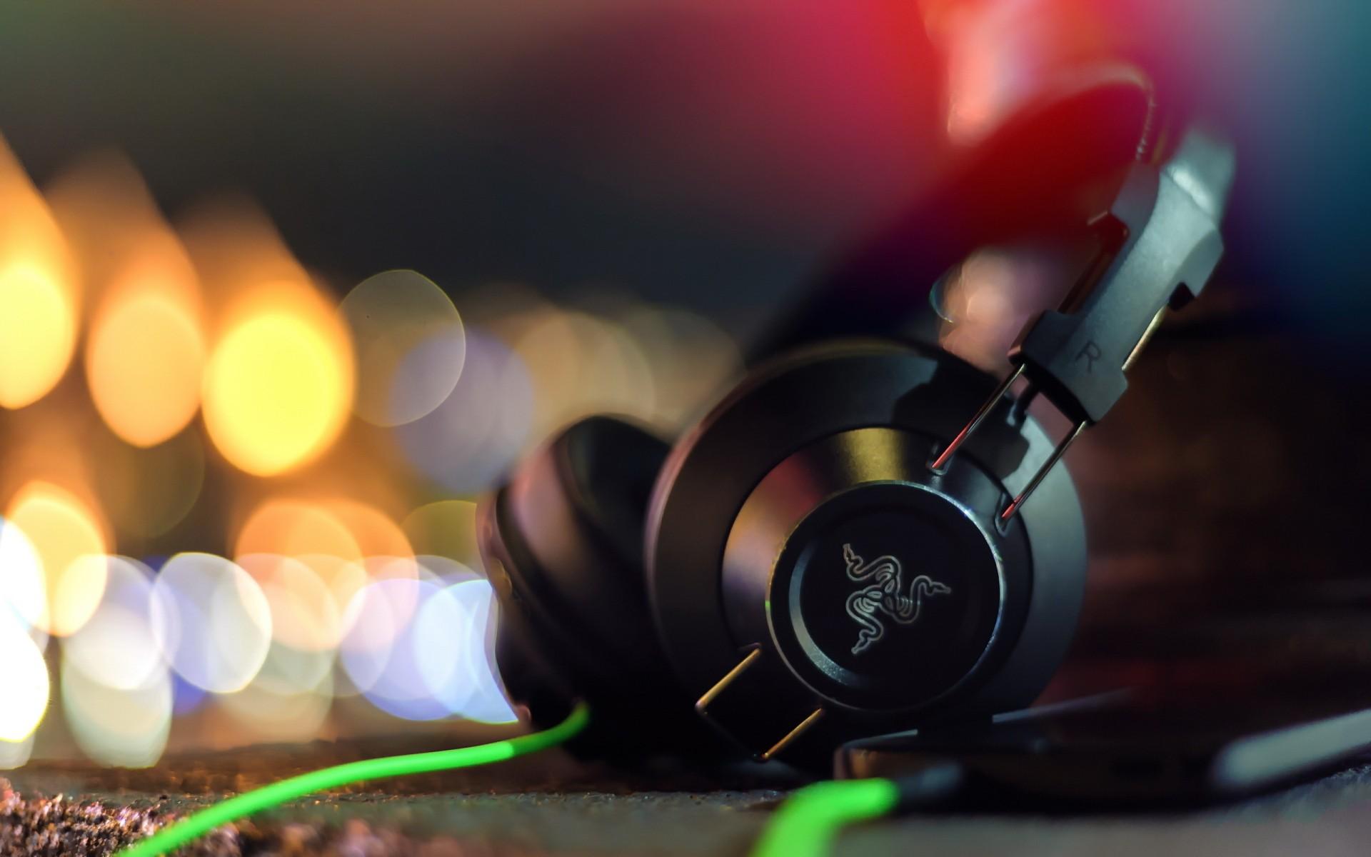 Hình nền : Đỏ, tai nghe, Công nghệ, Razer, Âm thanh, ánh sáng, màu
