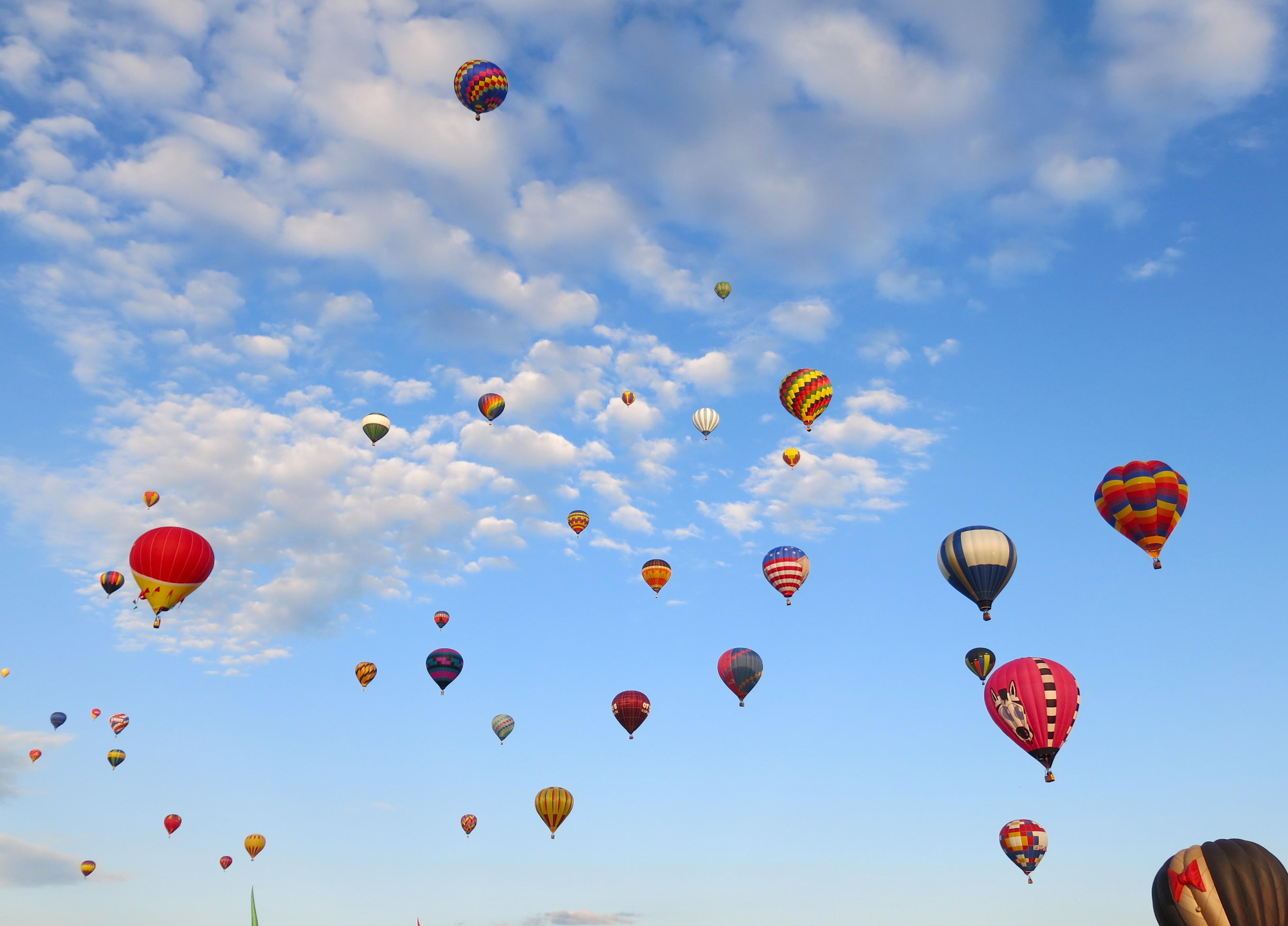 этом картинка с летающими шарами тебе нужен отдельный