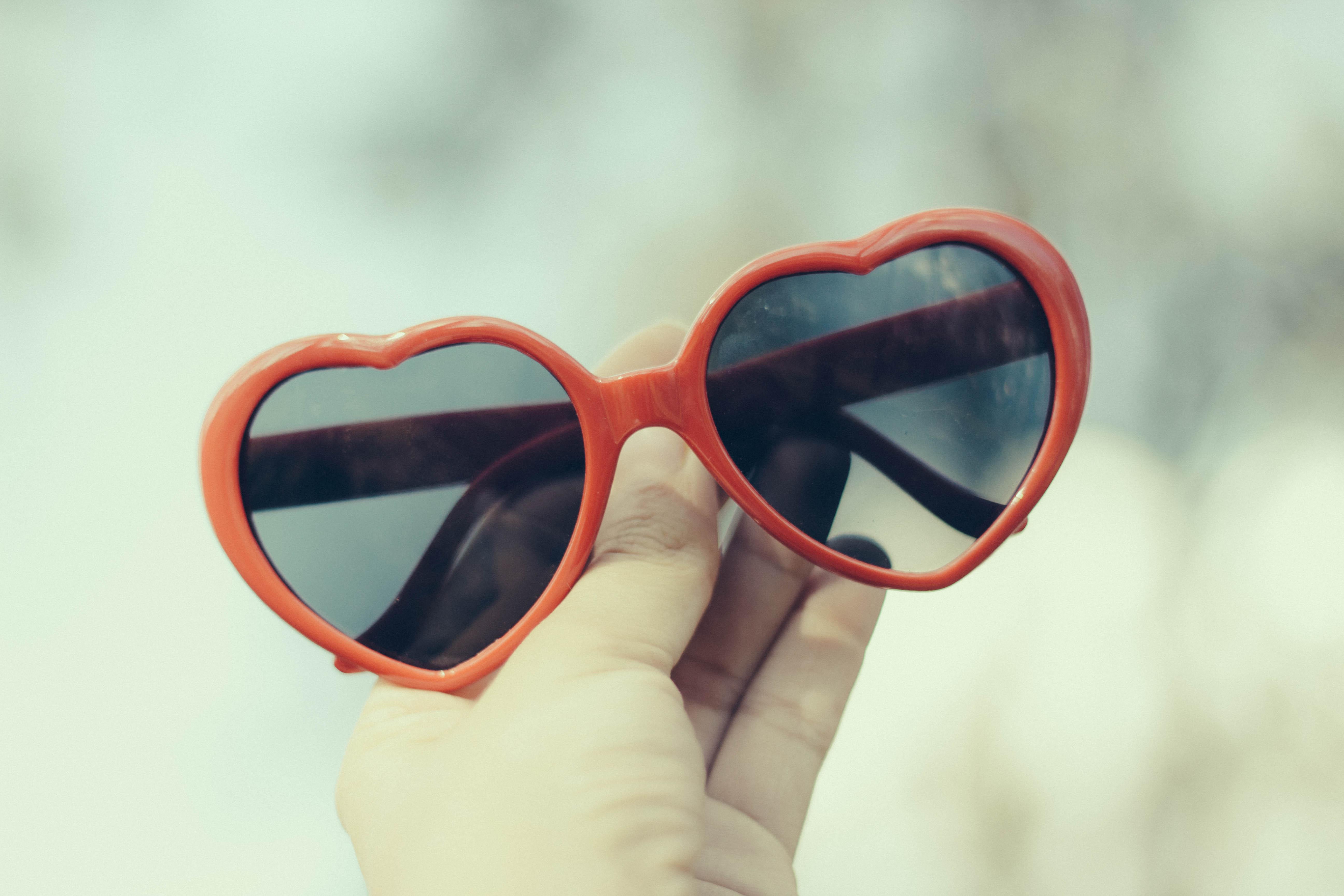 35f0d9776 Baggrunde : rød, solbriller, mode, Canon, 50mm, øjne, hjerte, girly ...