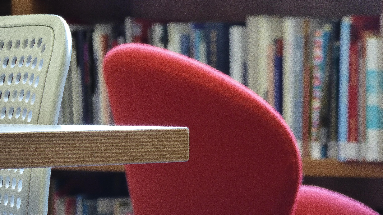 Fondos de pantalla : rojo, blanco, mesa, Lumix, de madera, silla ...