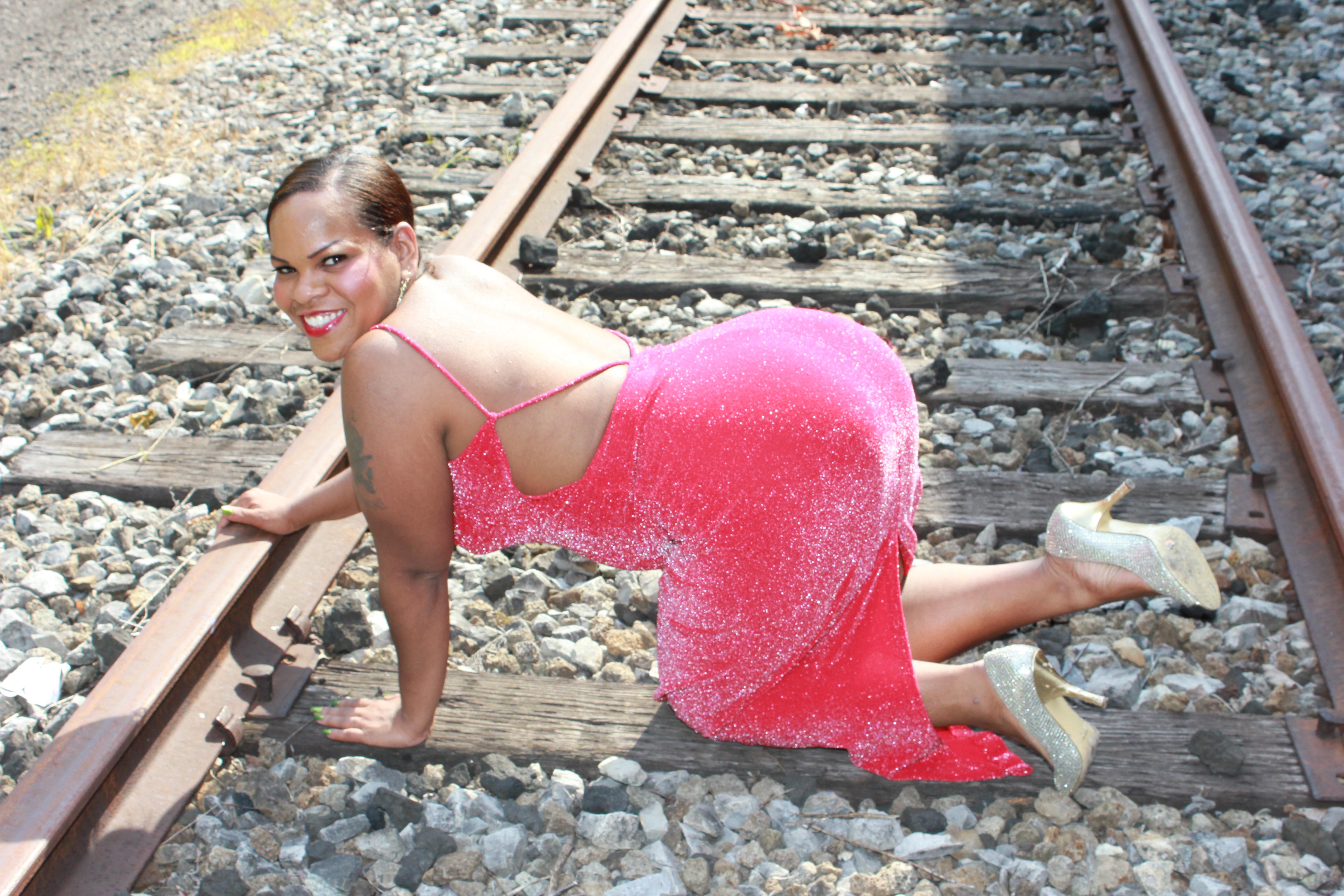 фото крупных женских поезд жадностью трахал