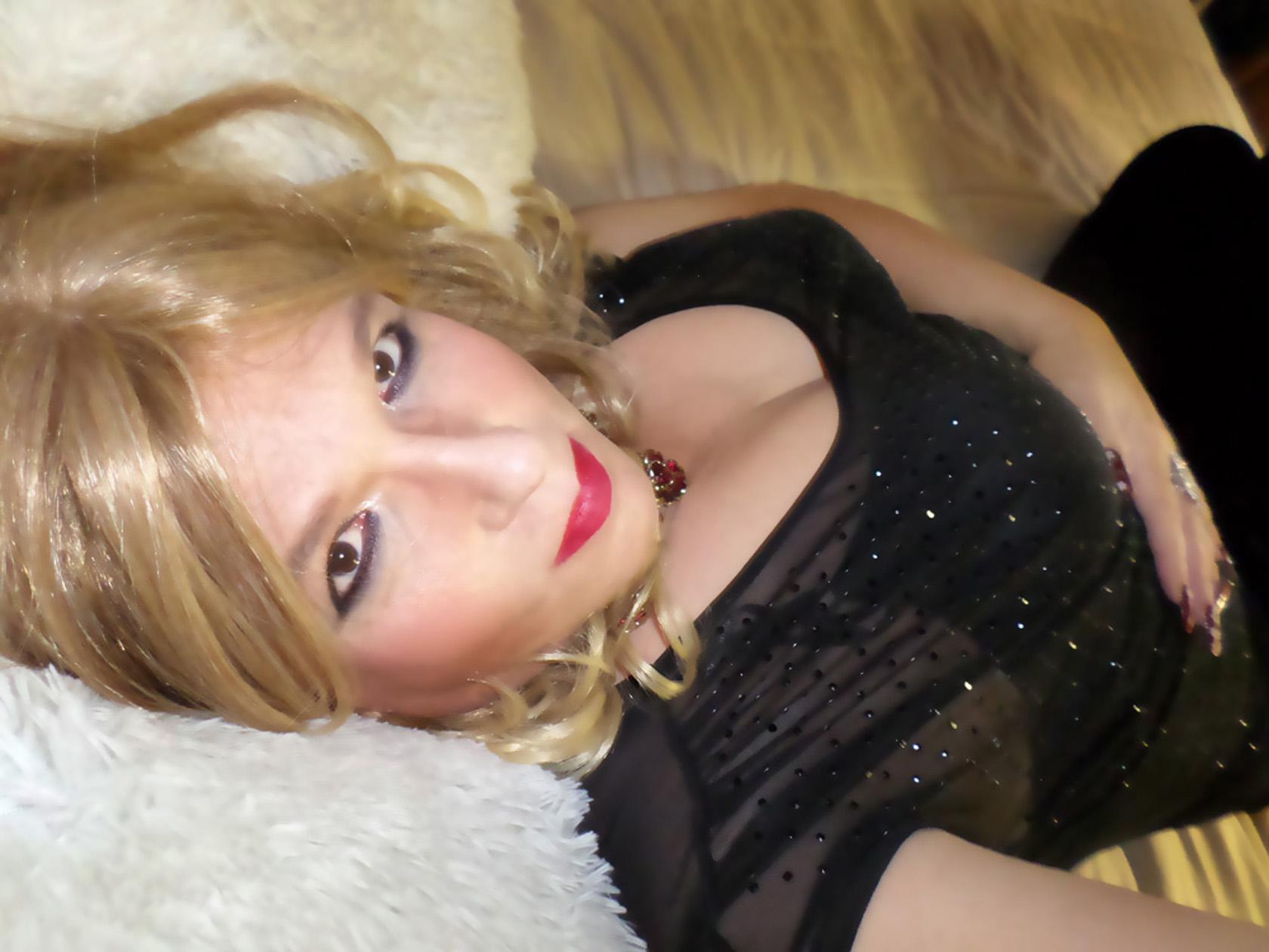Meet tannies shemales online uk