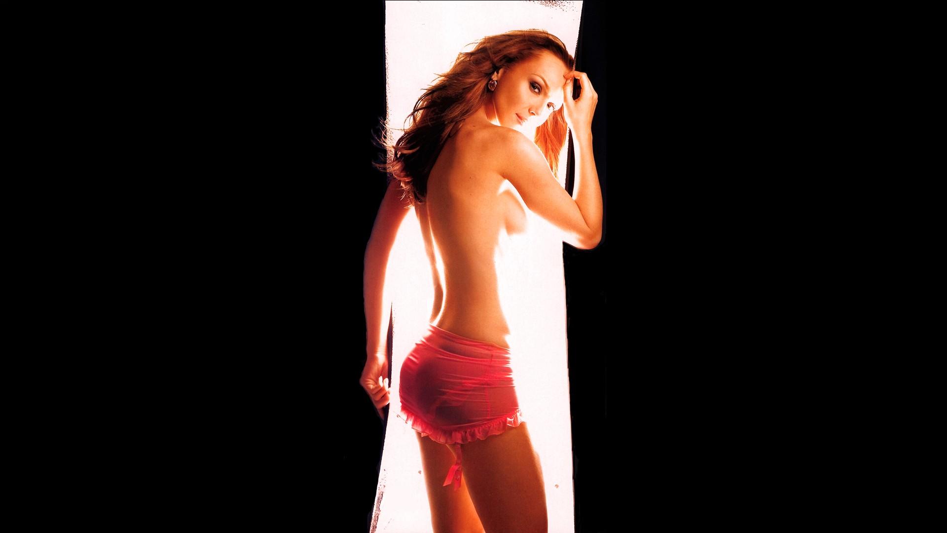 Muscular redhead women nude — pic 9