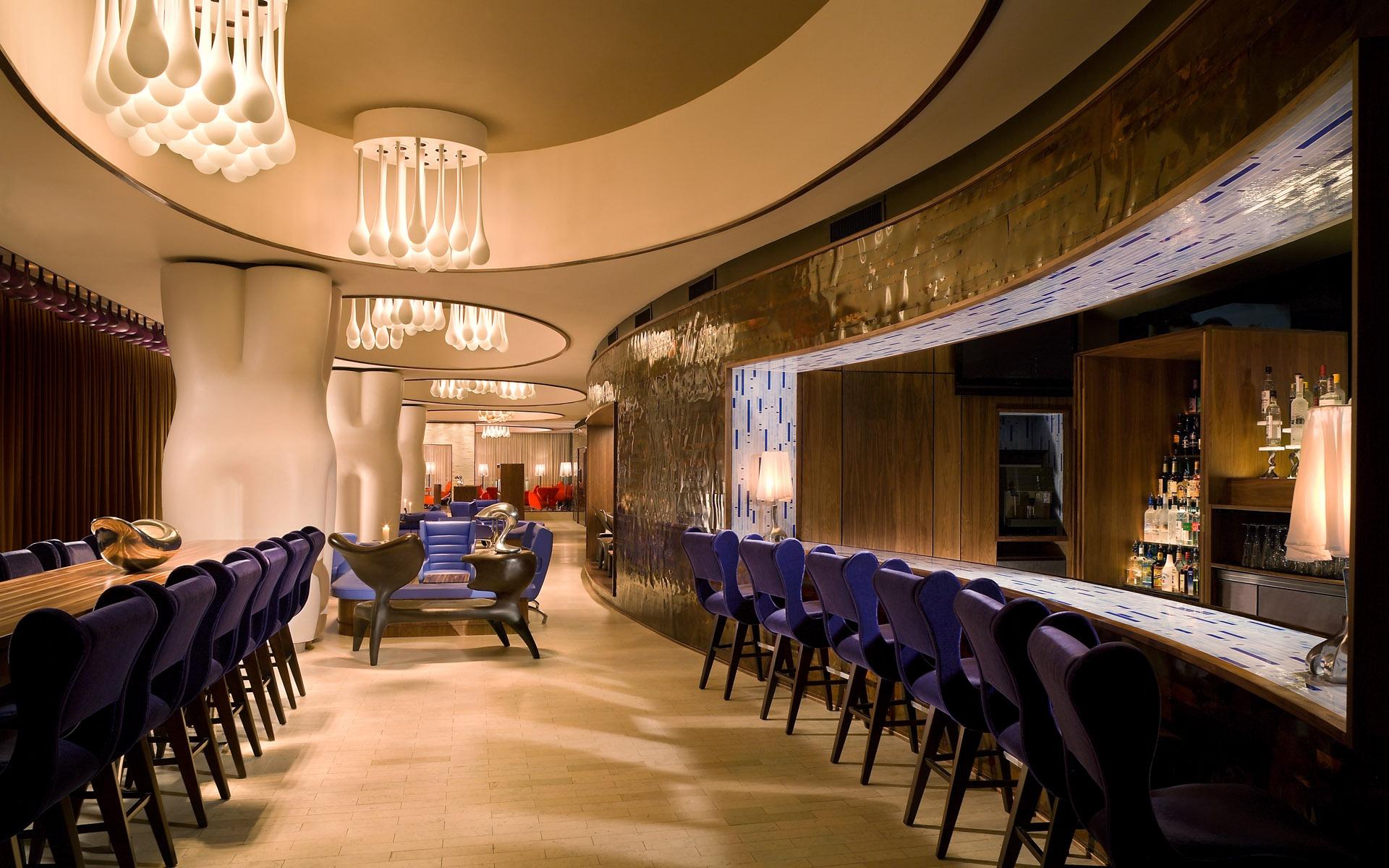 американским музыкантом фото красивый ресторан внутри бывают разного