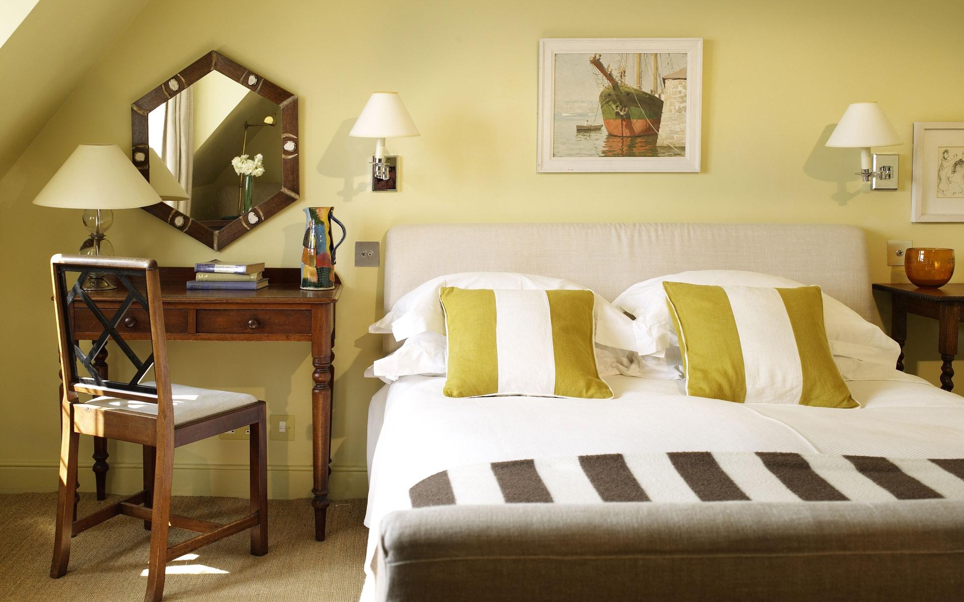 Fondos de pantalla : habitación, cama, silla, espejo, Cuarto, diseño ...