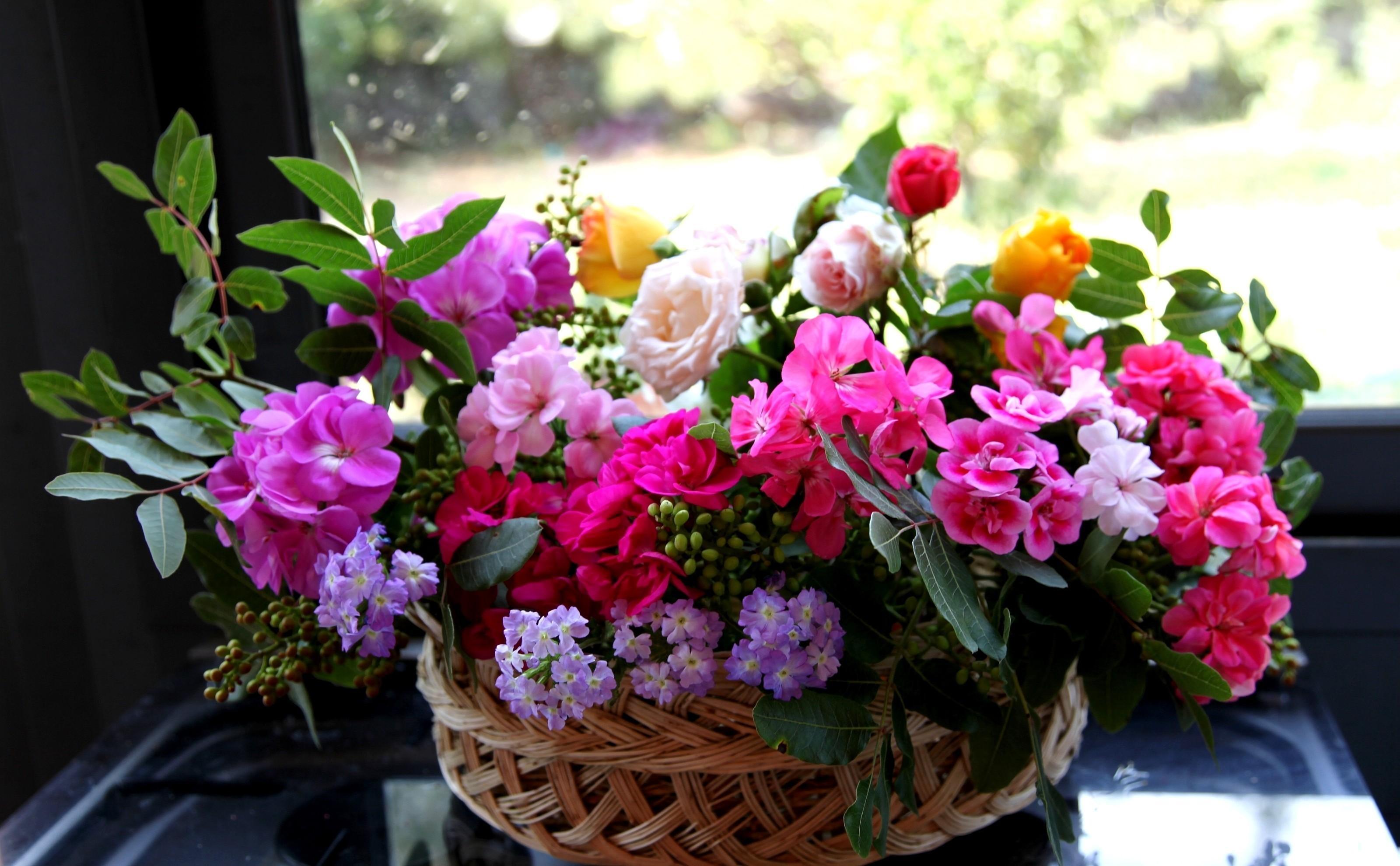 Цветов корзине, цветы день ночью купить харьков