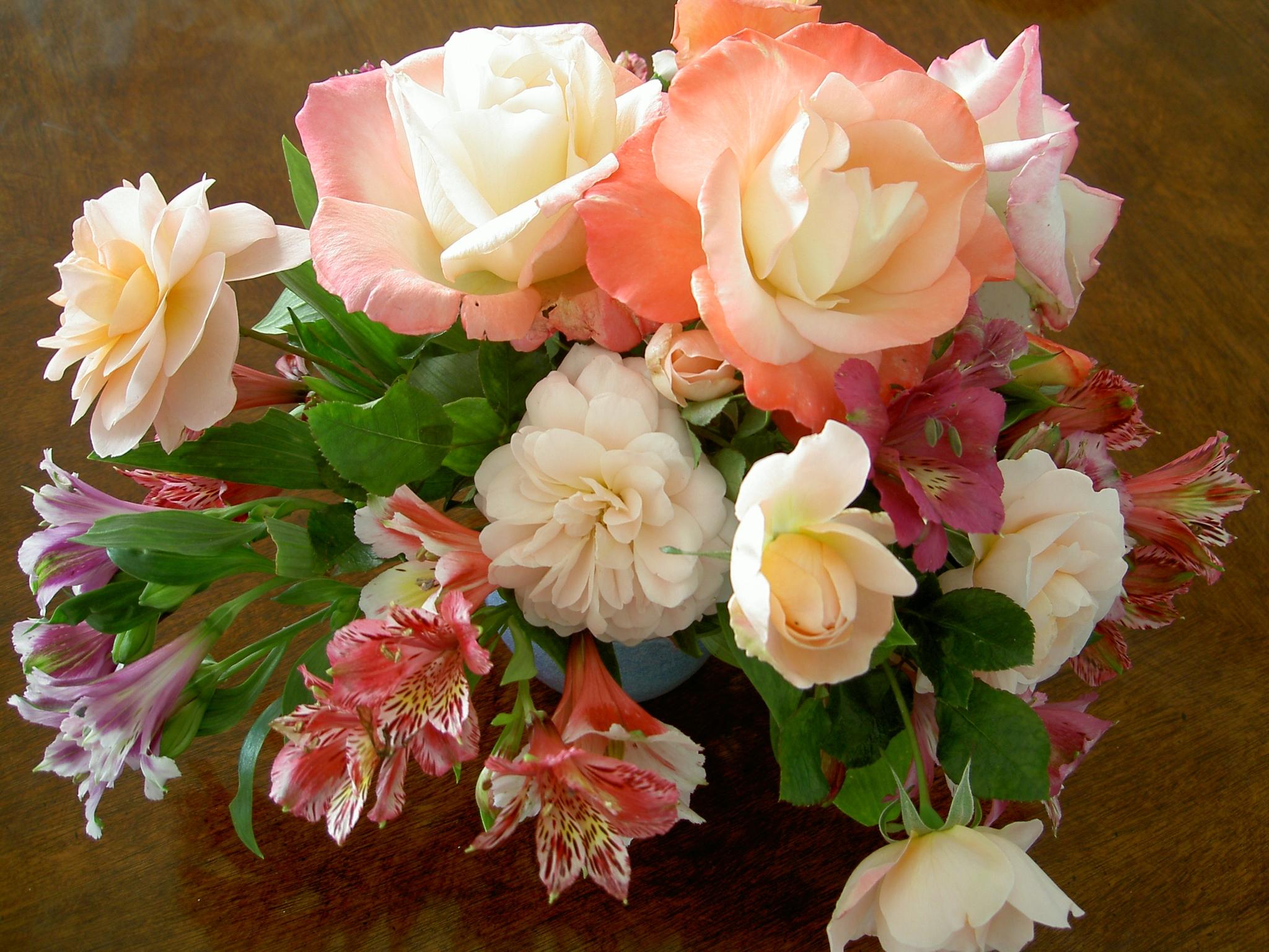 Фото красивых букетов цветов в высоком разрешении