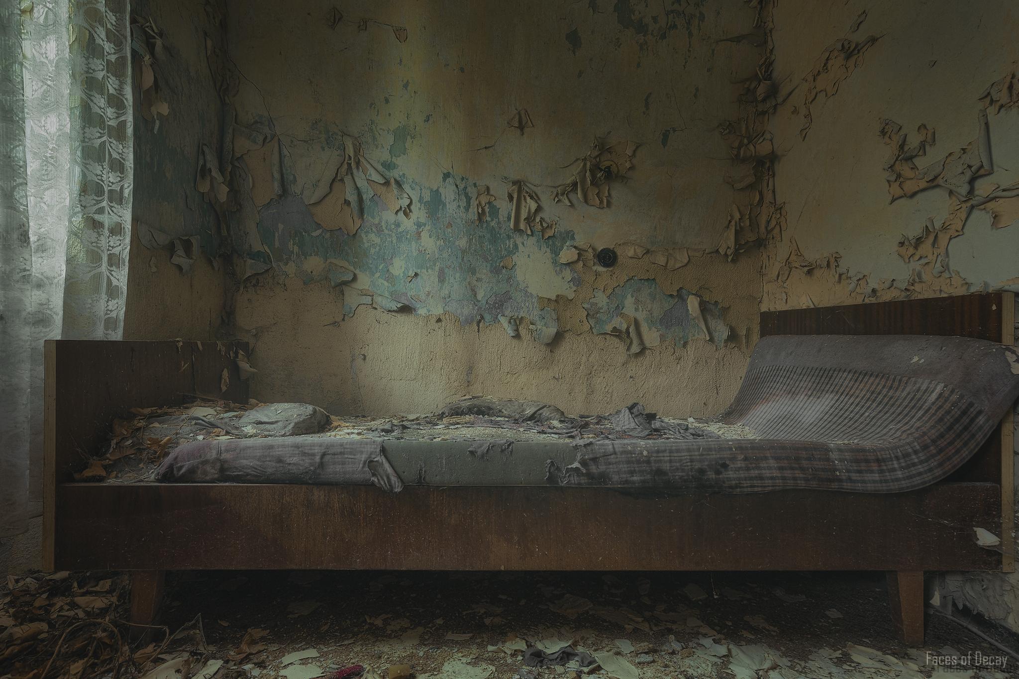 Fondos De Pantalla Ruina Abandonado Cama Pared Sof Dise O  # Muebles Podridos
