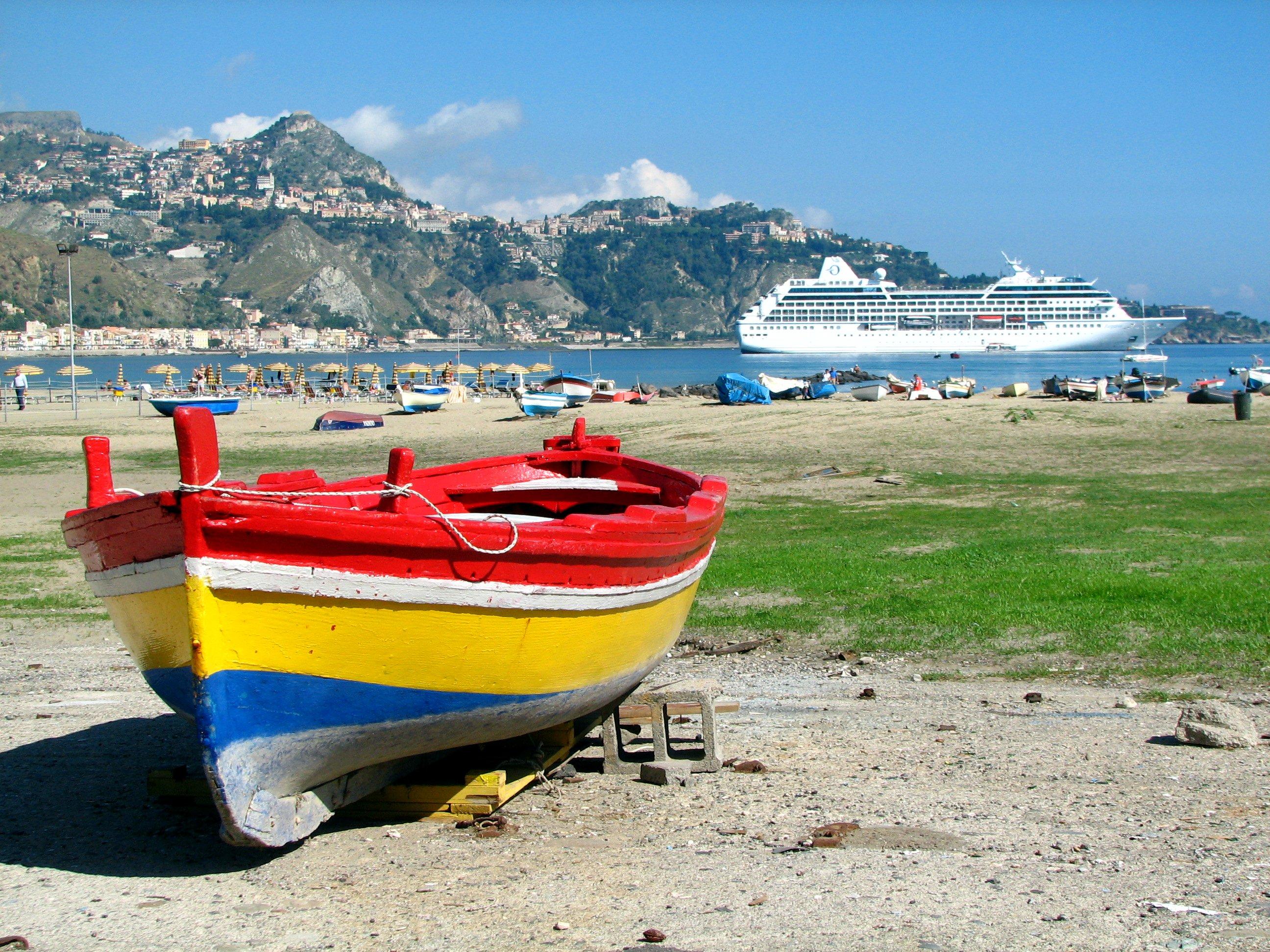 Hintergrundbilder : Meer, Italien, Strand, Wasser, Farben, Boote ...