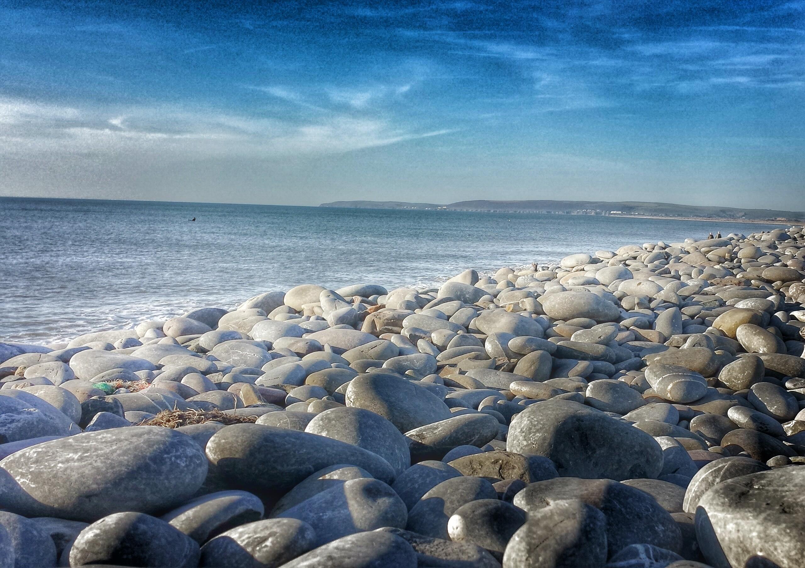 картинка морские камушки и волны демонстрационных макетах, сделанных