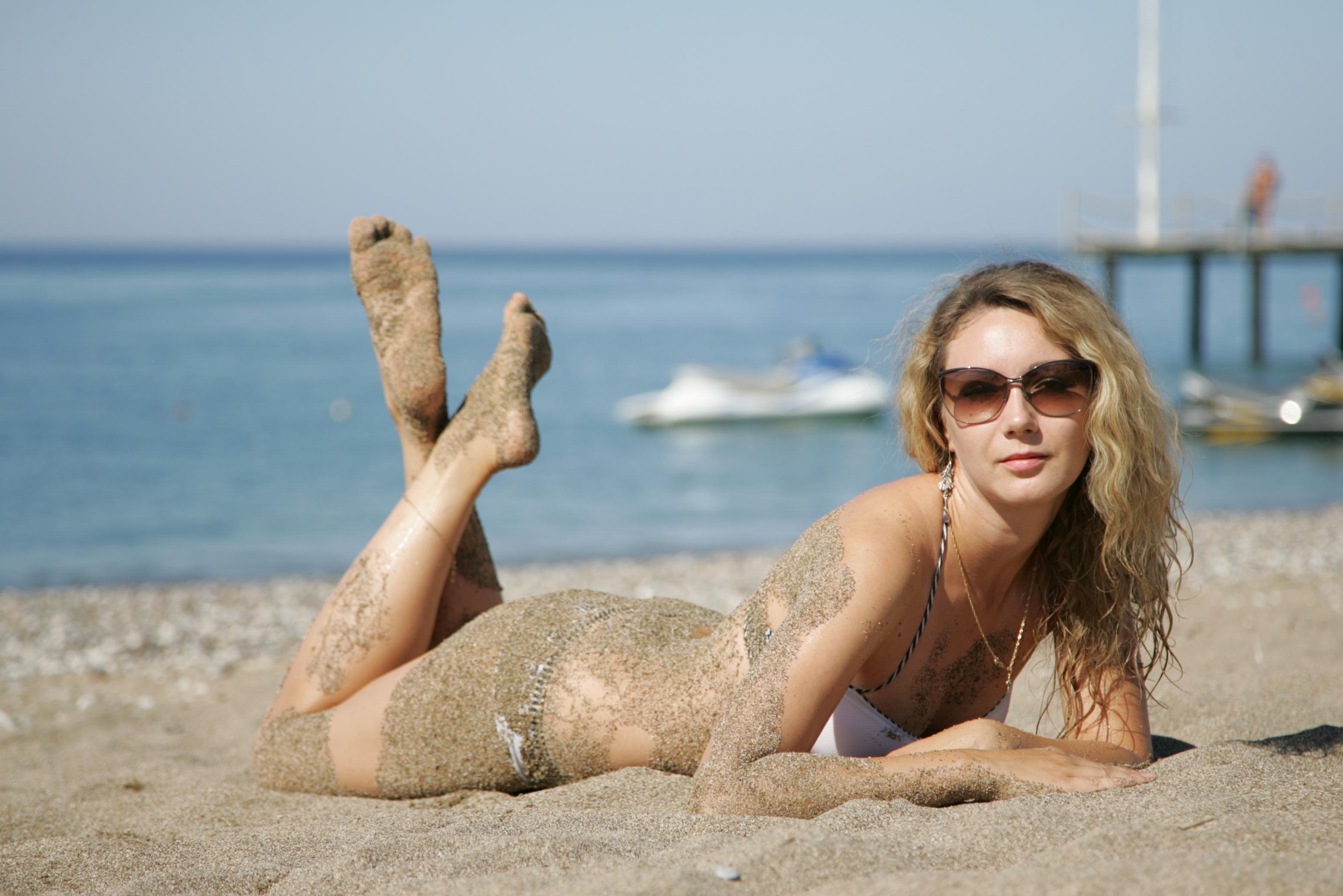 sea summer portrait woman sexy feet beach girl beautiful beauty face  sunglasses lady model legs dream