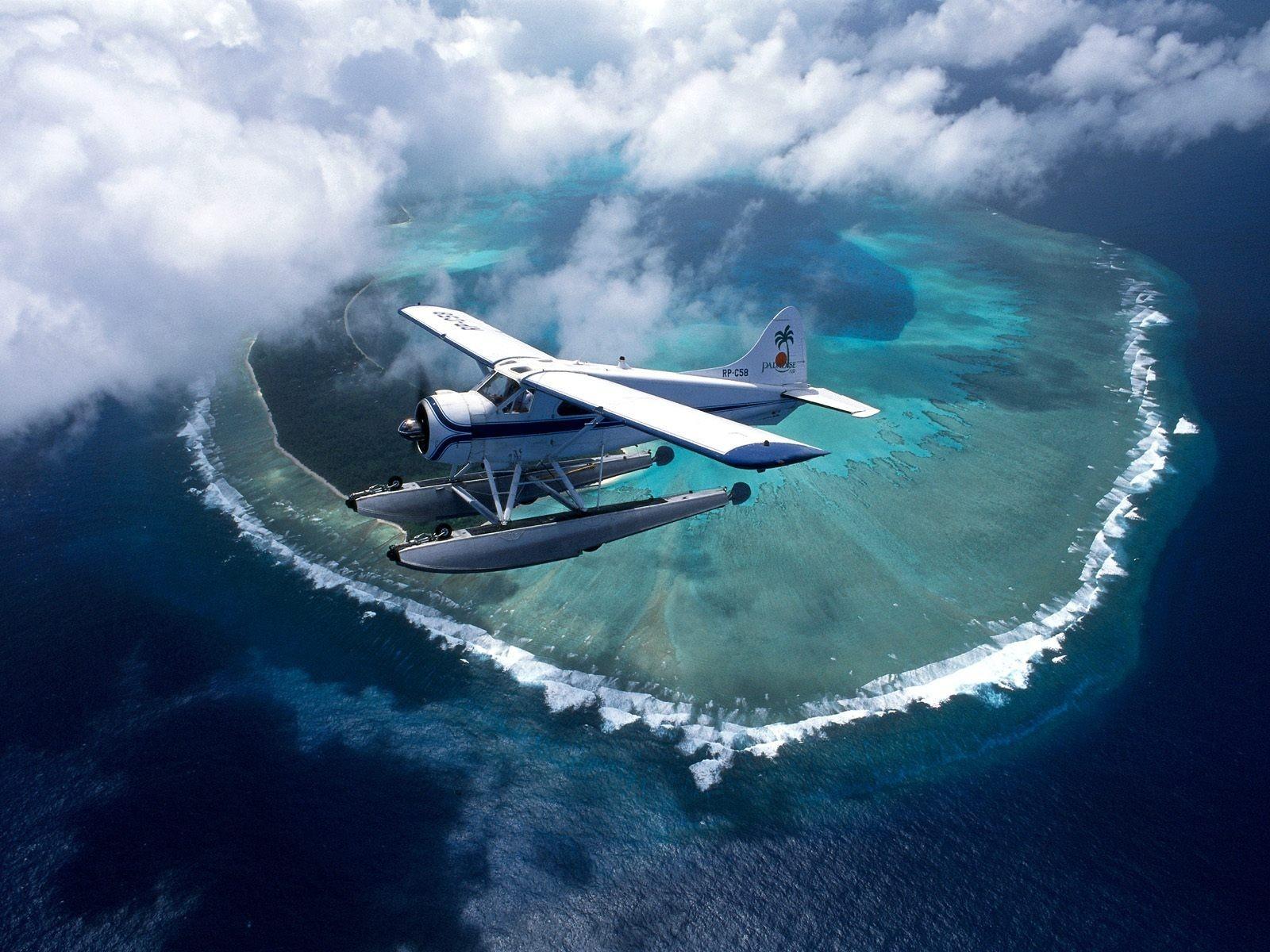 древних самолеты в океане фото это комплекс специальных