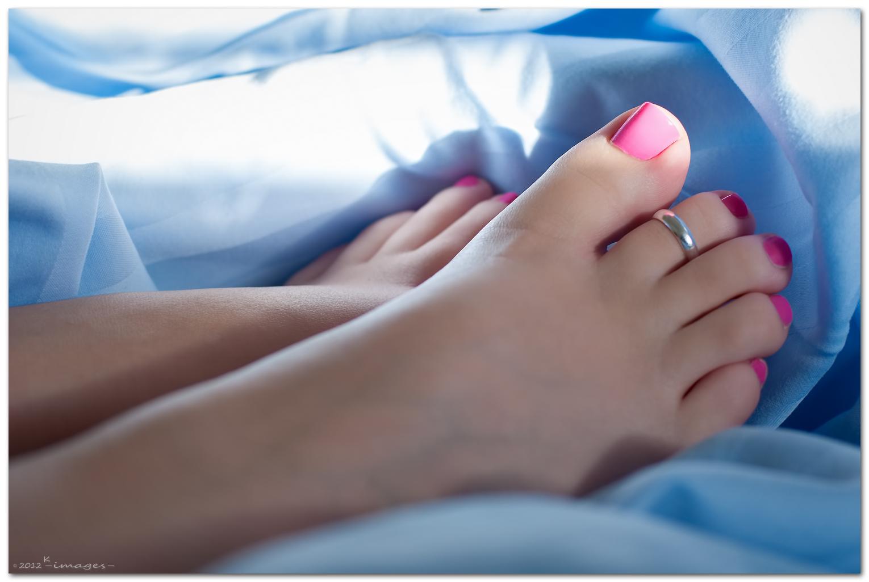 повсеместное ступни ног женские фото и пальчиков оригинальный