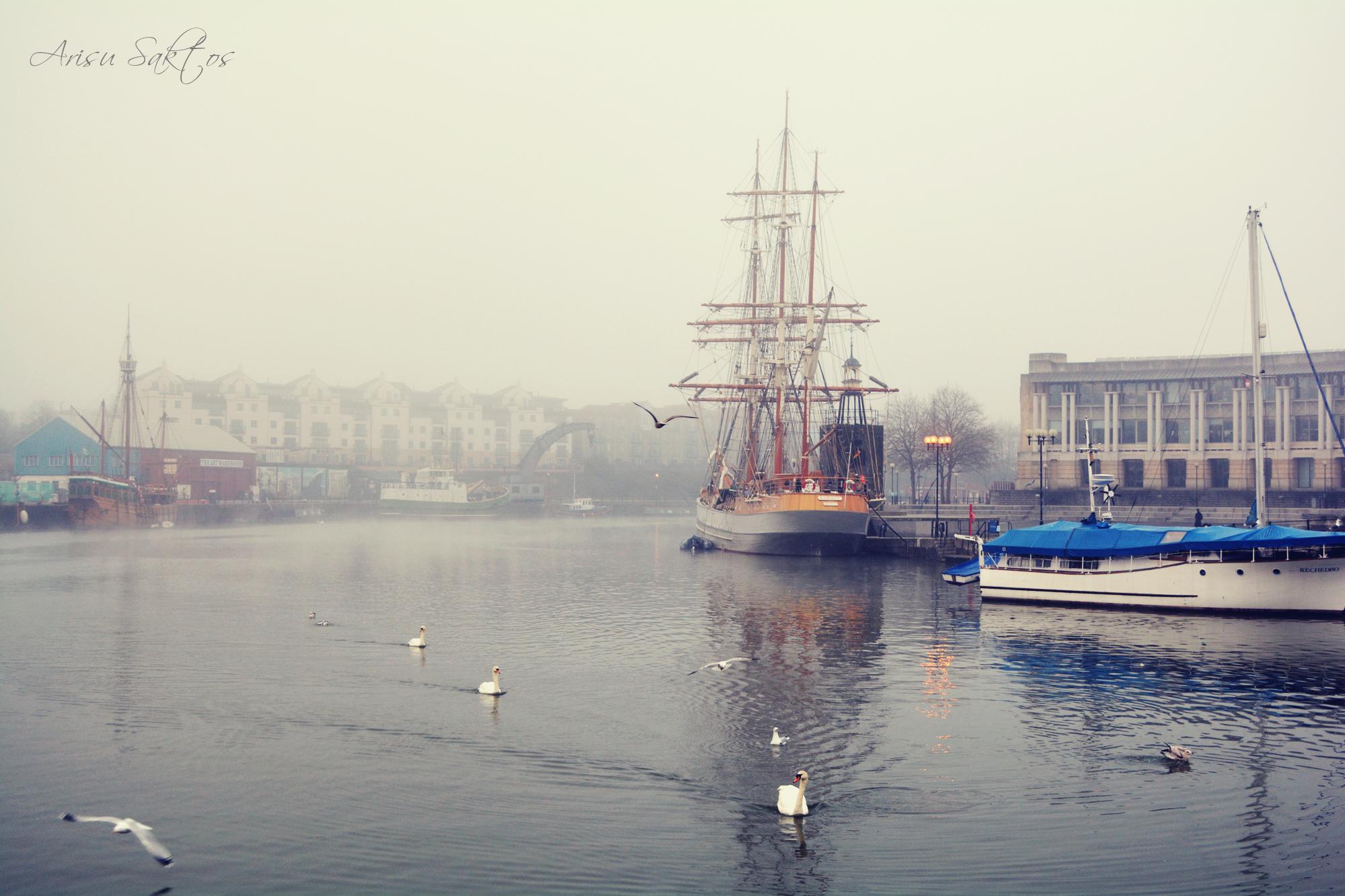 Обои туман, корабль, пристань. Города foto 9