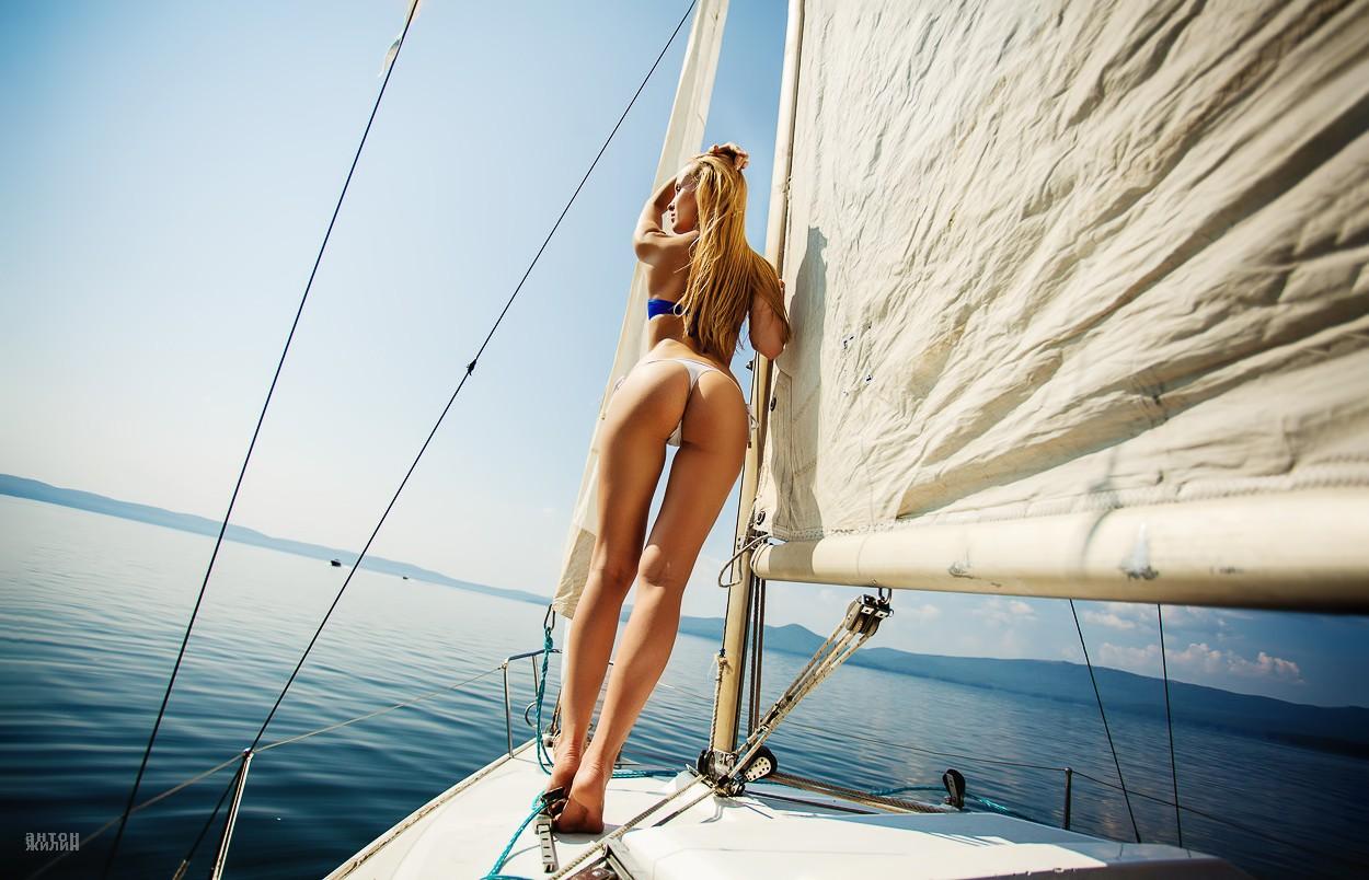 Hot summer outdoor sexing on jacht