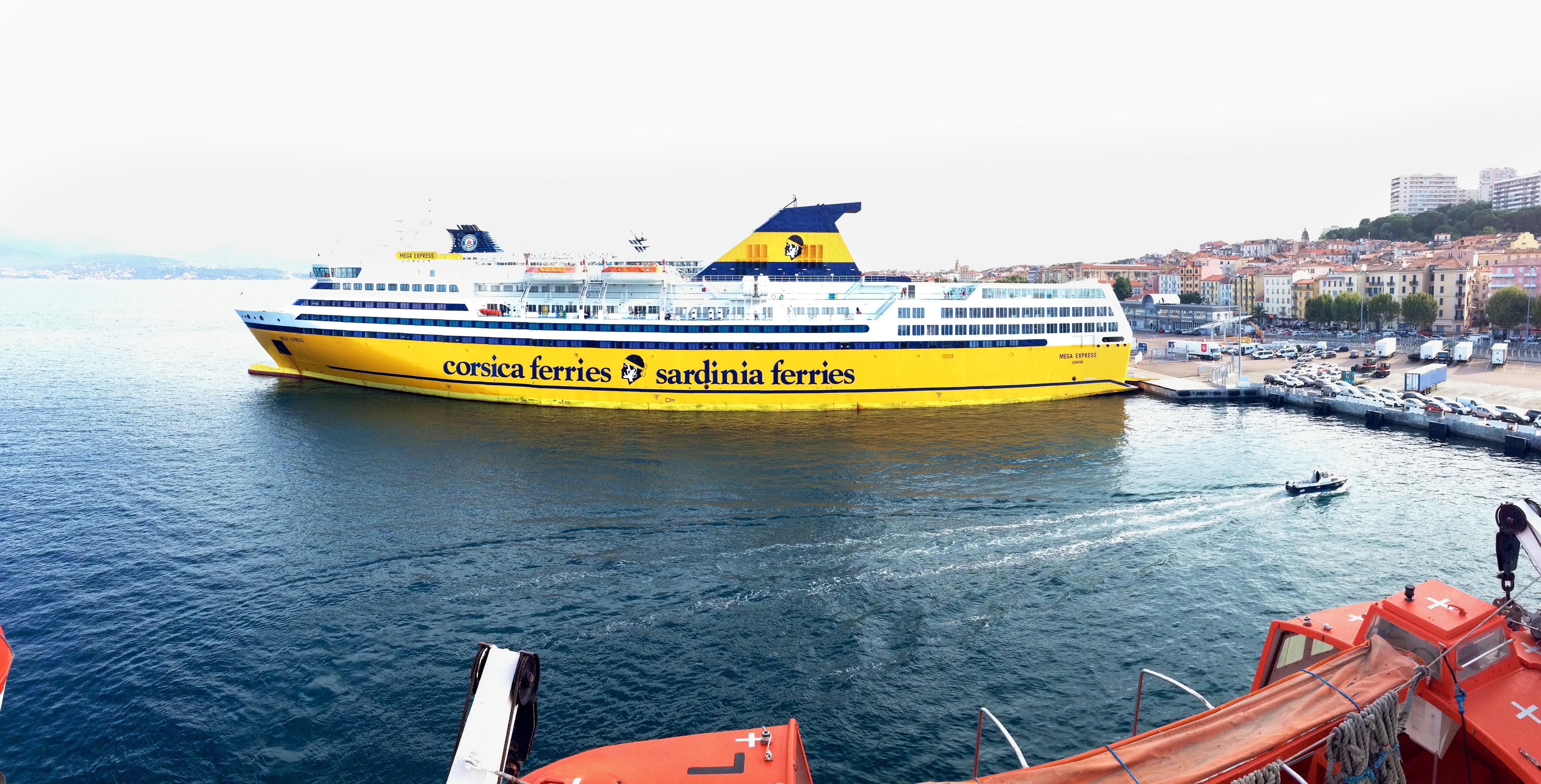 Fond d 39 cran navire mer v hicule porte conteneurs for Porte 4 marseille