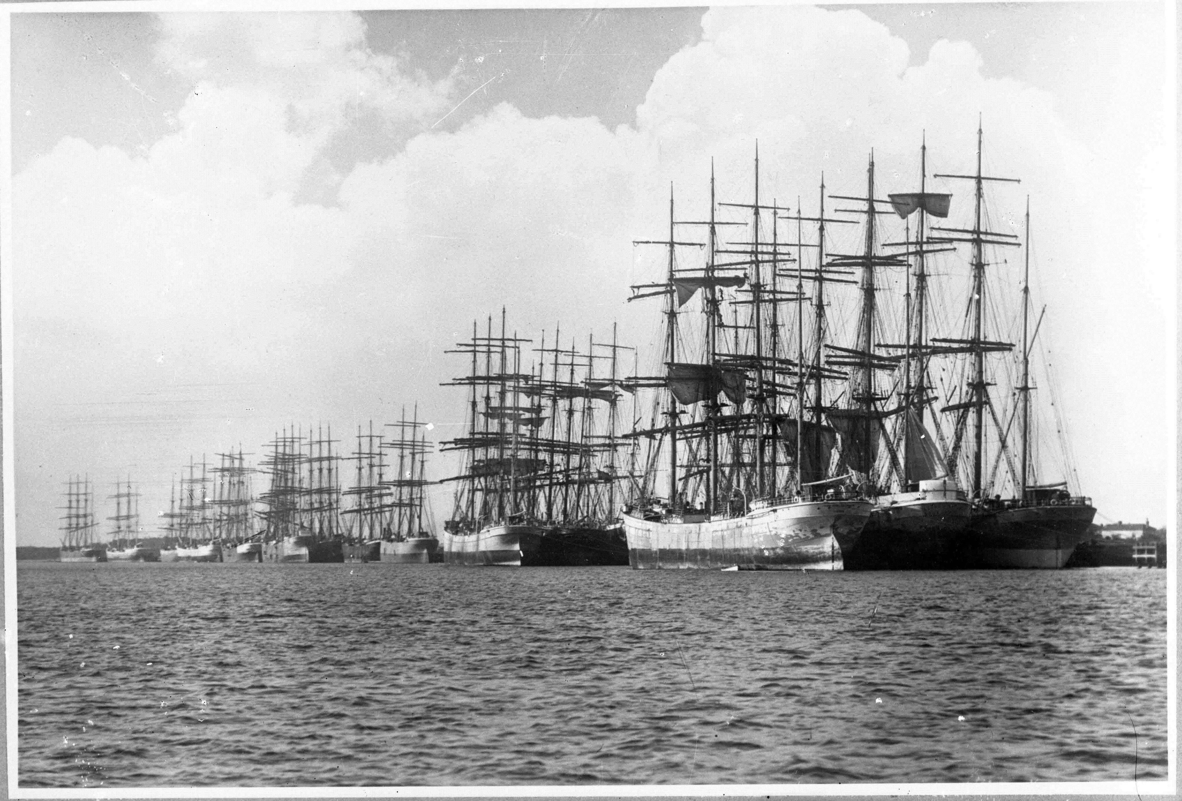 Wallpaper : sailing ship, sea, harbor, Newcastle, waterfront