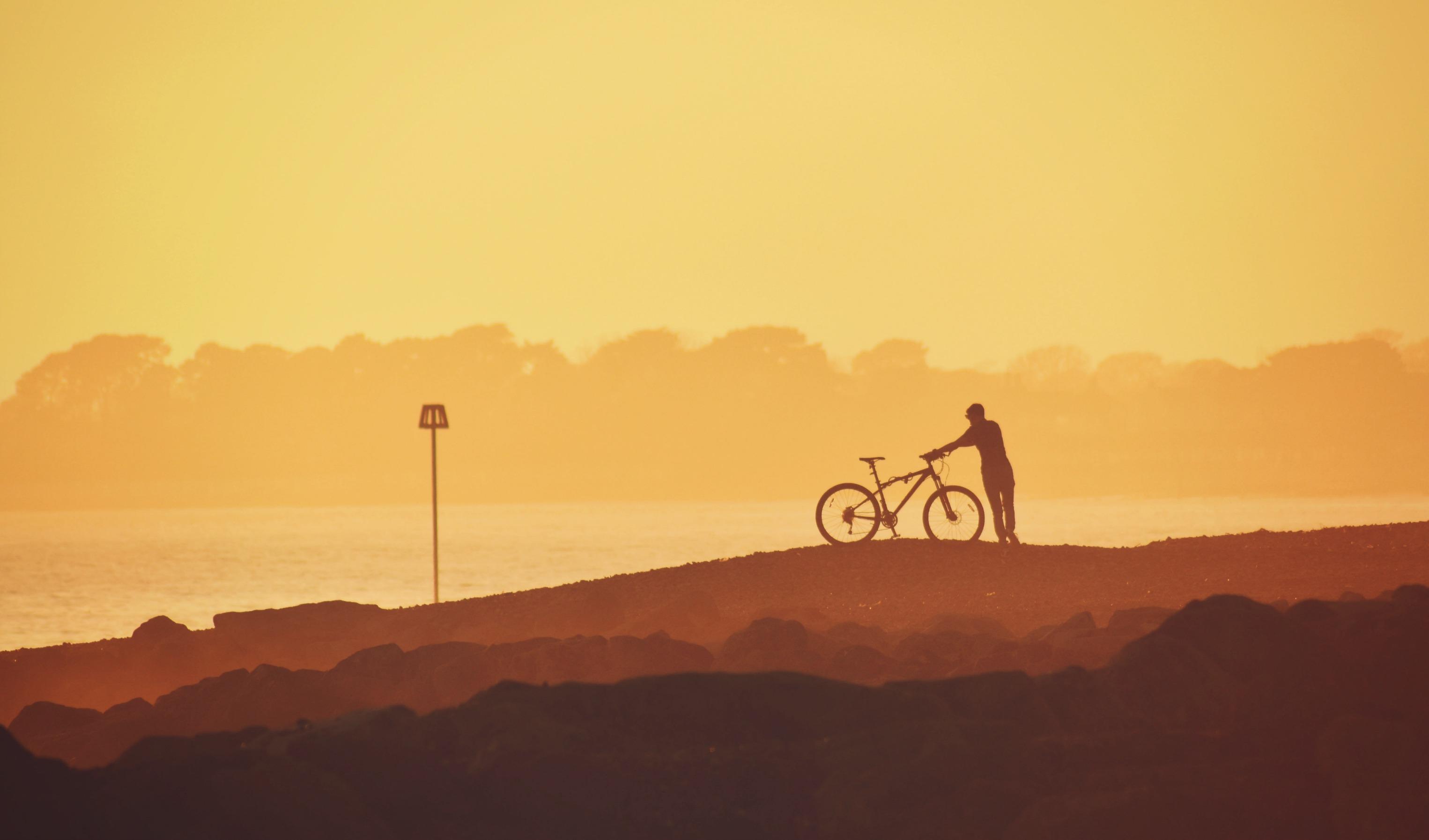 wallpaper : silhouette, sunset, evening, beach, coast, sea, rocks