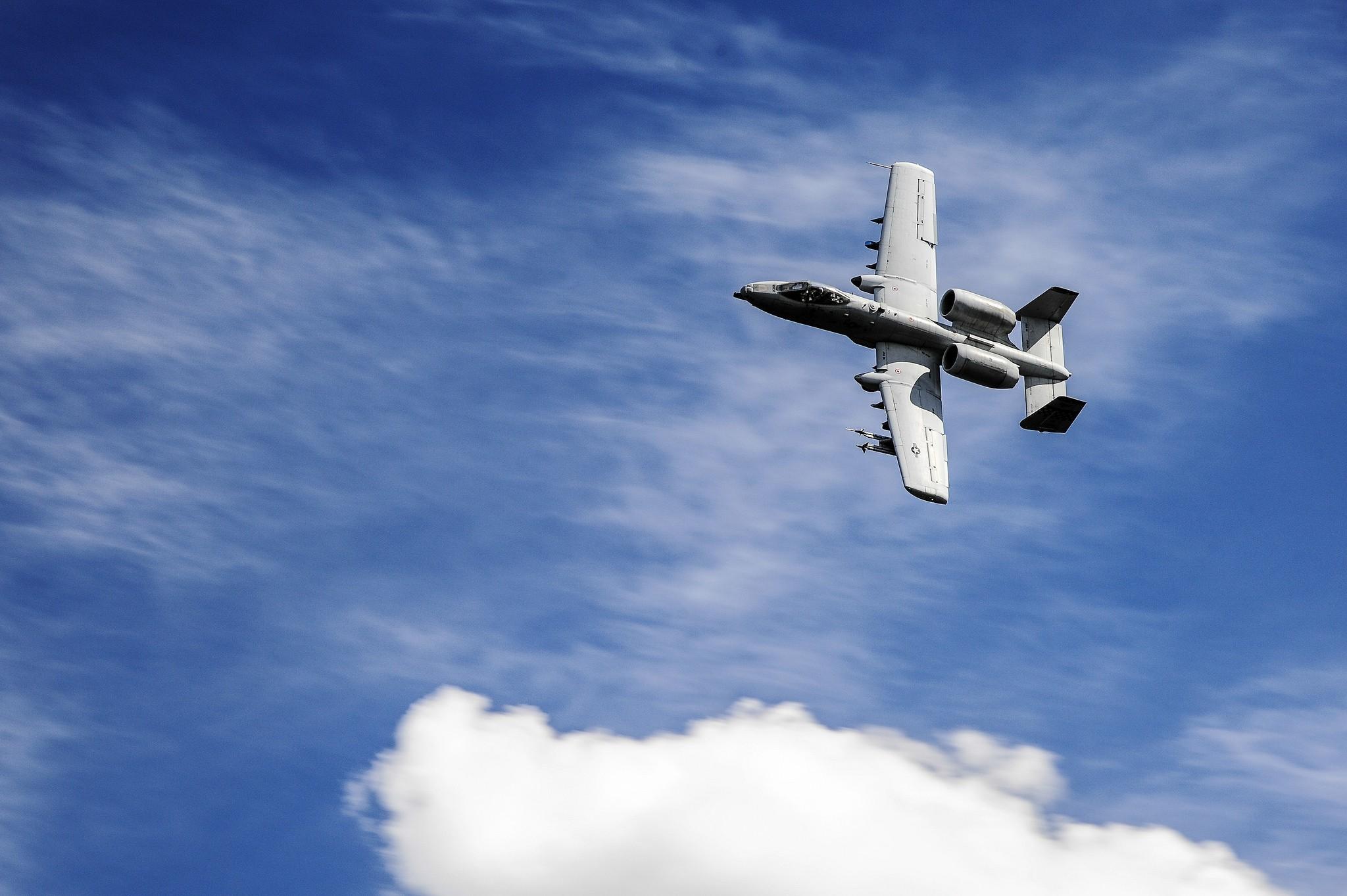 удалось найти, картинки с самолетами в небе военный картофель размещаем