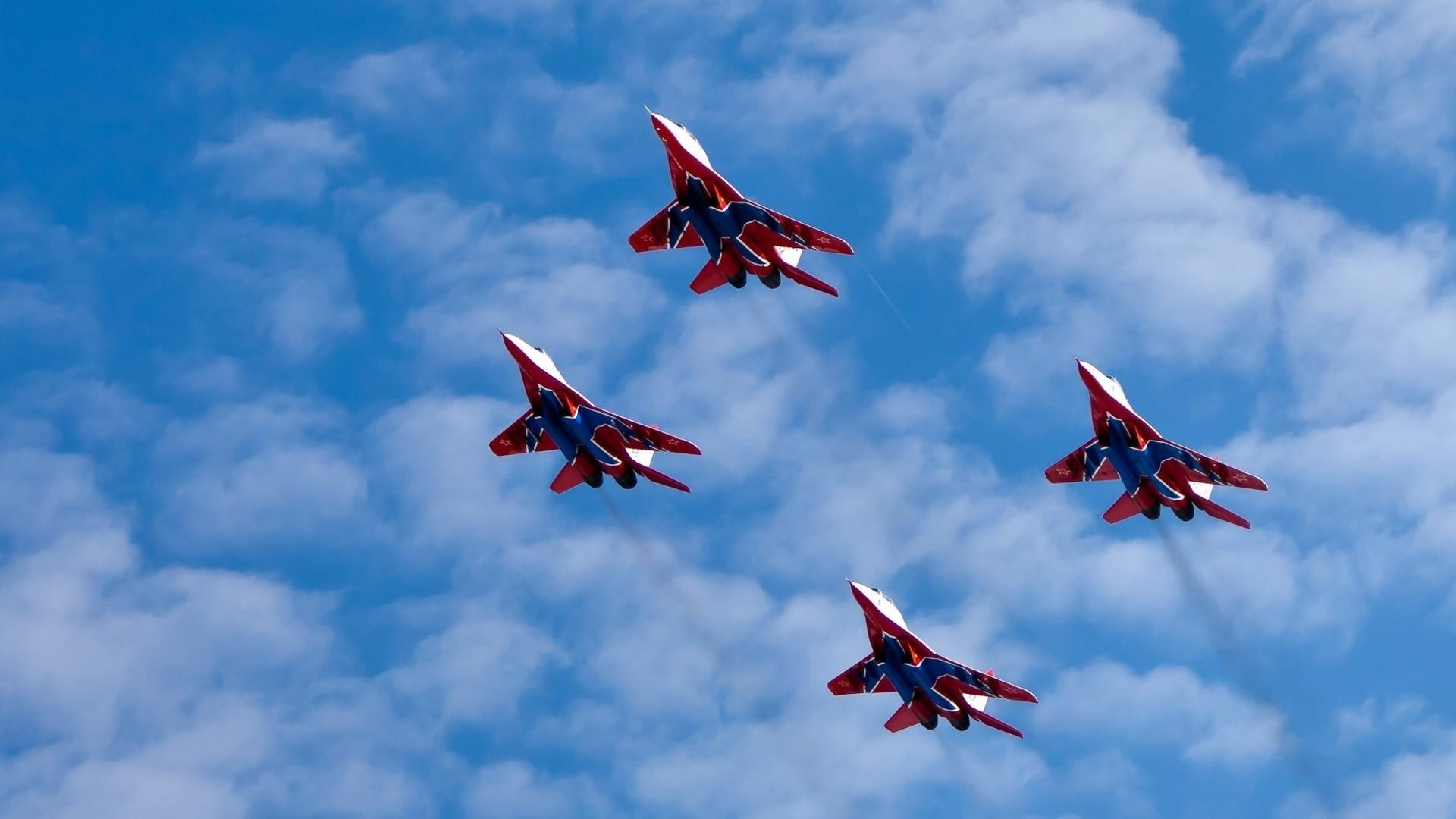 торопыгин фото истребителей россии в небе три