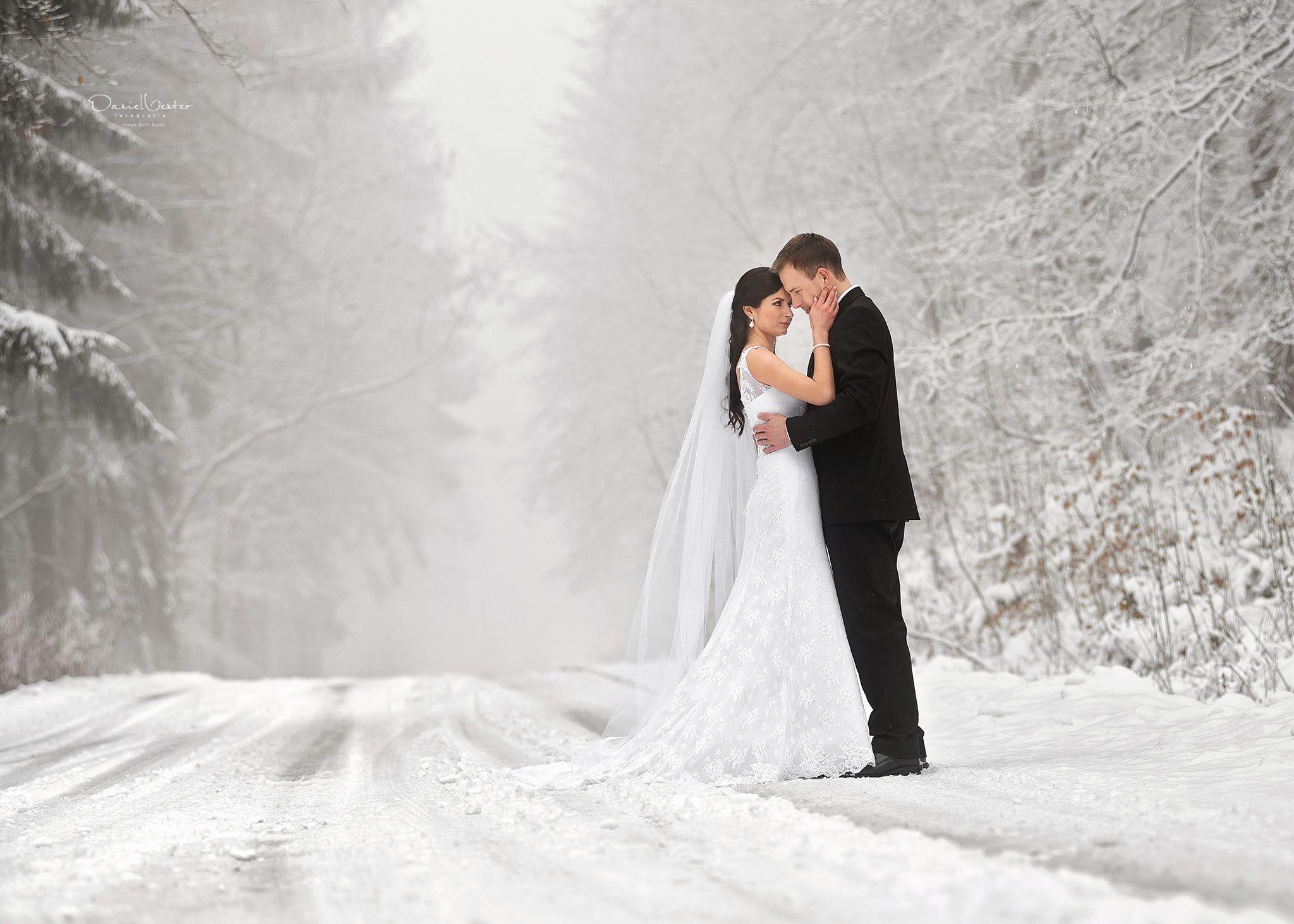 Hintergrundbilder : Schnee, Winter, Straße, Kleid, Passt ...