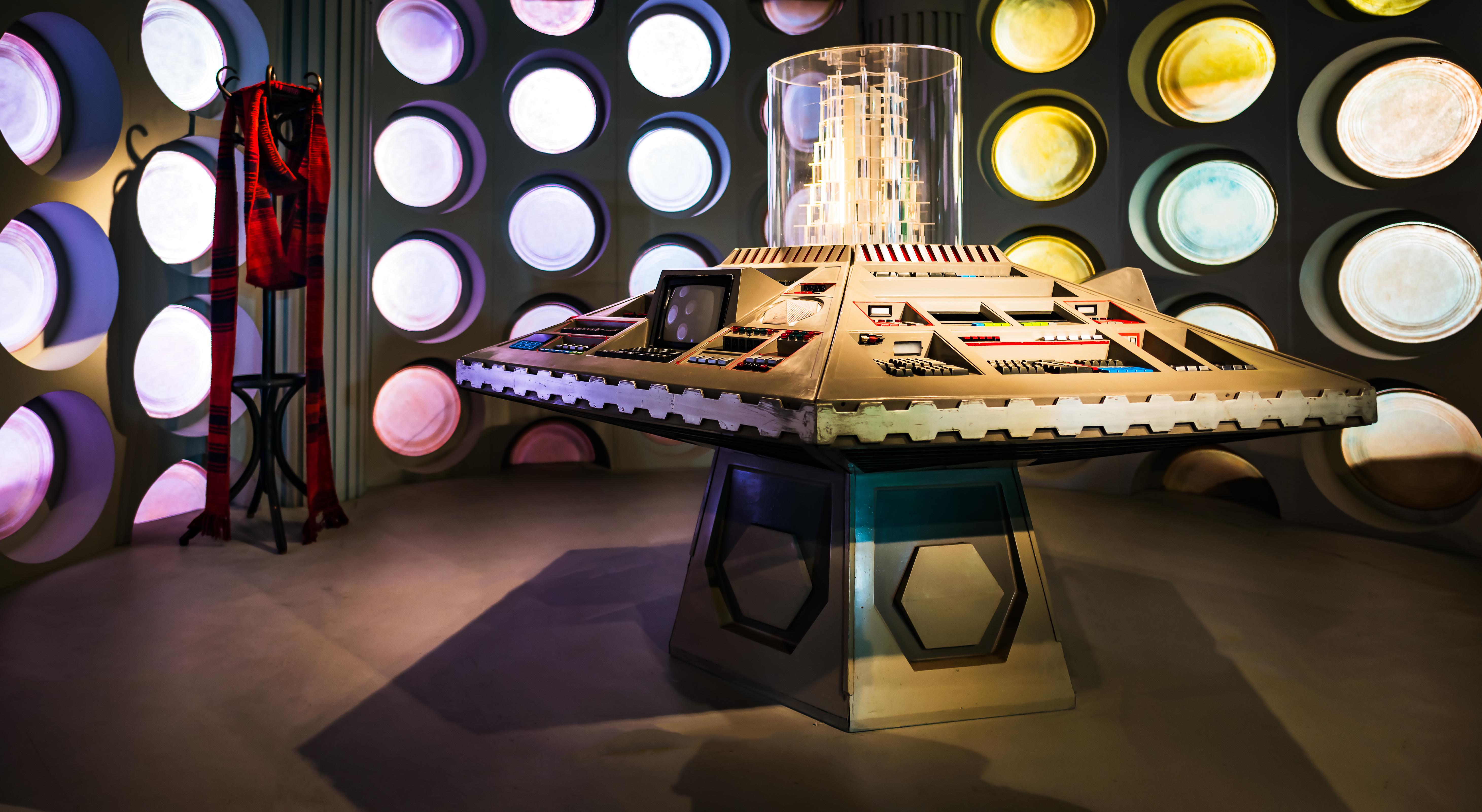 wallpaper  space table interior design tardis bbc set  - space table interior design tardis bbc set console cardiff light lightingindoor design show scifi tourist