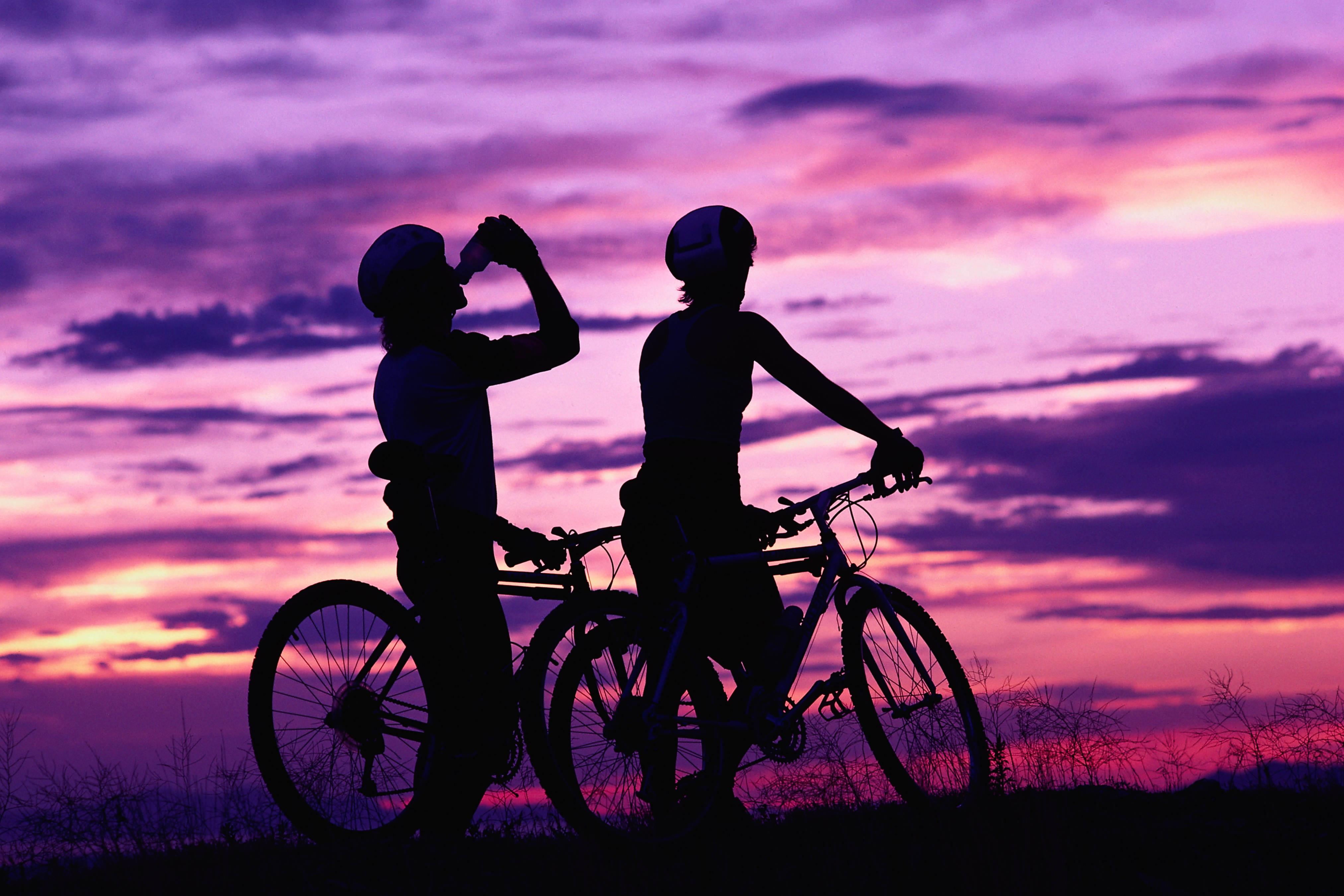 Fond D Ecran Sport Le Coucher Du Soleil Vehicule Silhouette Lever Du Soleil Soir Matin Crepuscule Cyclisme Loisir Cyclistes Equipement Sportif Velo De Montagne 4050x2700 Goodfon 613473 Fond D Ecran Wallhere