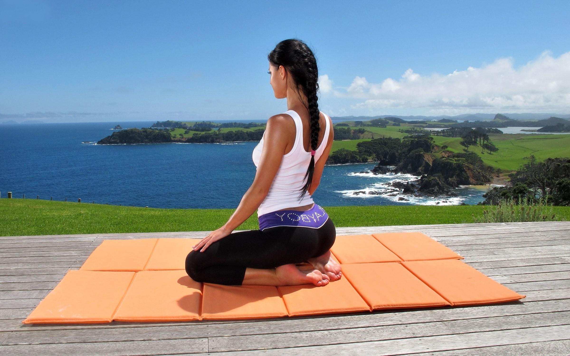 Finest Nude Yoga Sitzung Photos