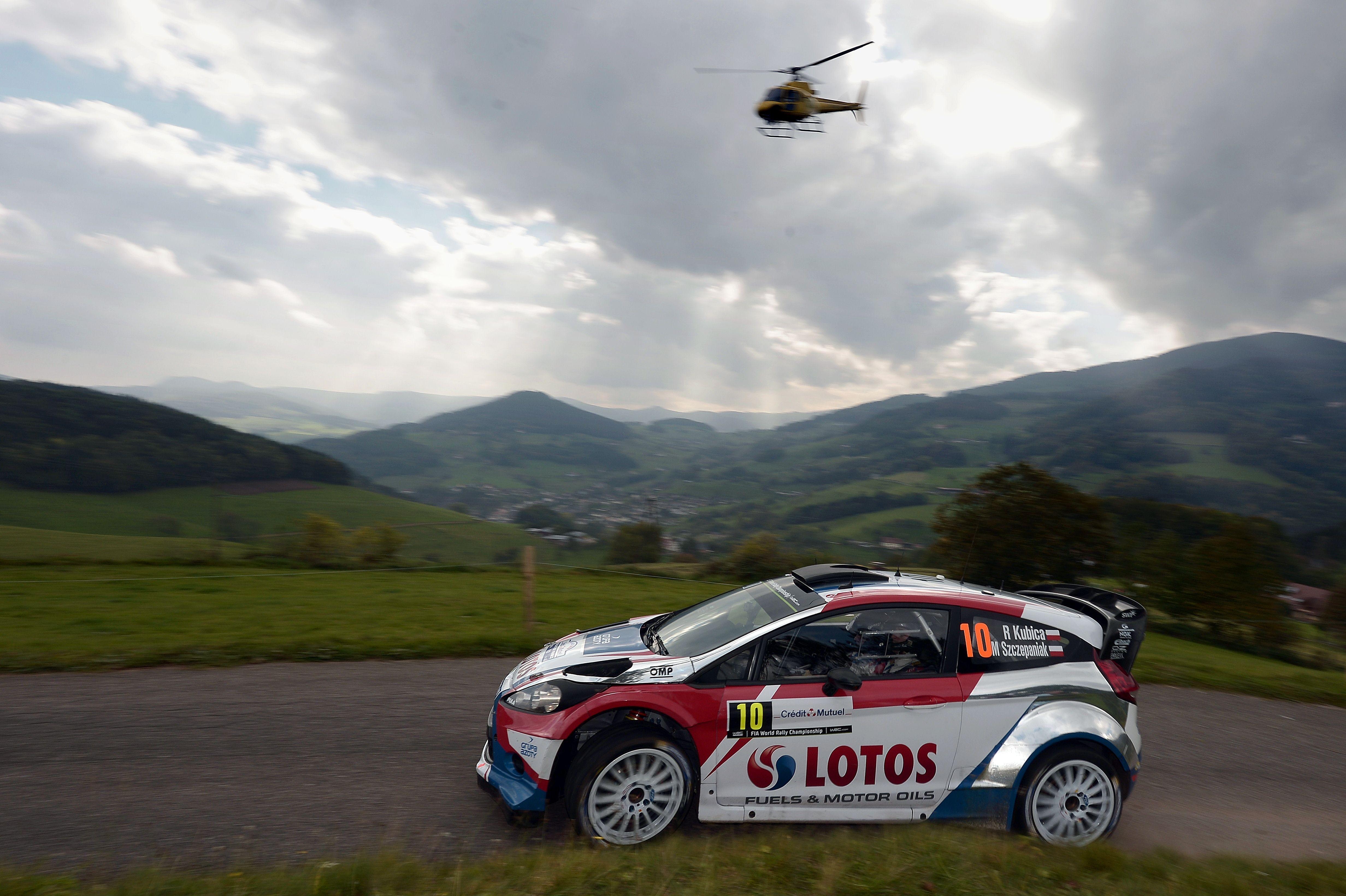 Wallpaper : sports, race cars, vehicle, Formula 1, rally cars ...