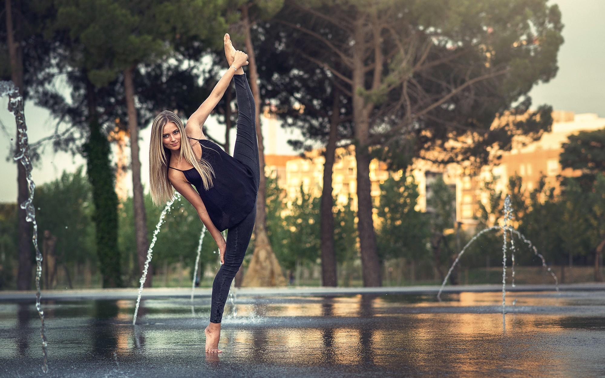 Фото гимнастка фото на улице, влагалище и в поо