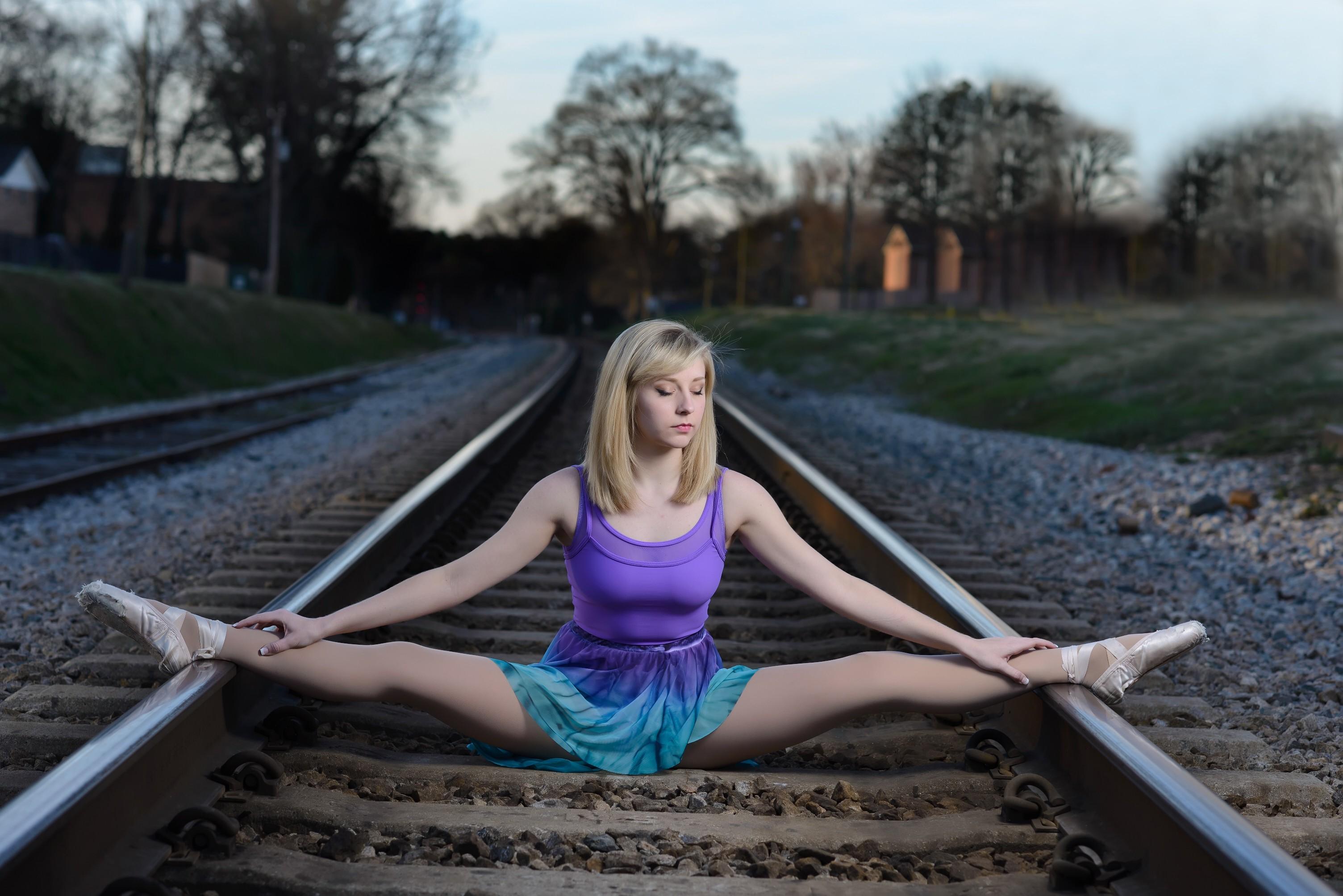 wallpaper : sports, women, model, sitting, railway, spread legs