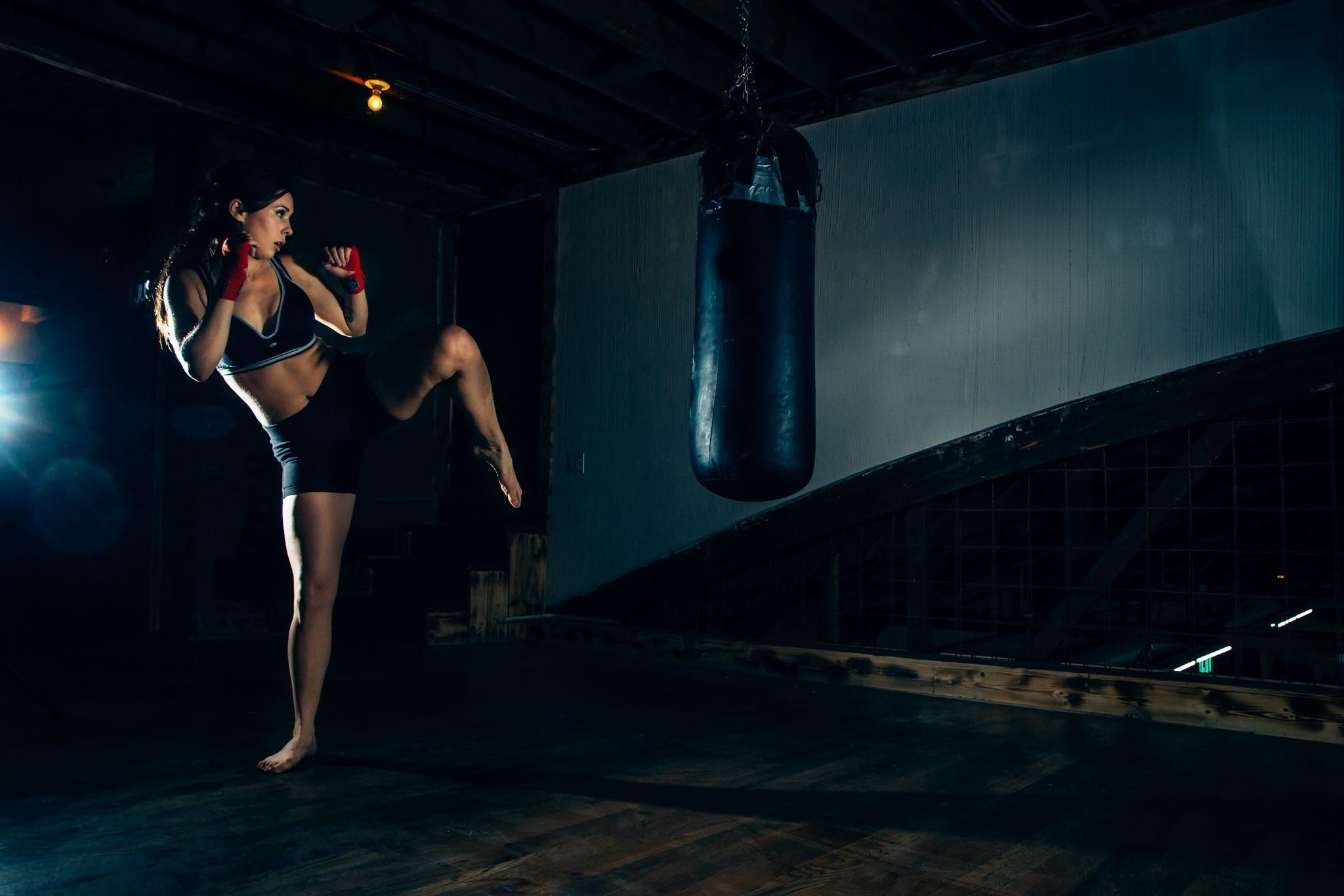 Wallpaper Sport Fitness: Wallpaper : Sports, Women, Night, Boxing, Kickboxing