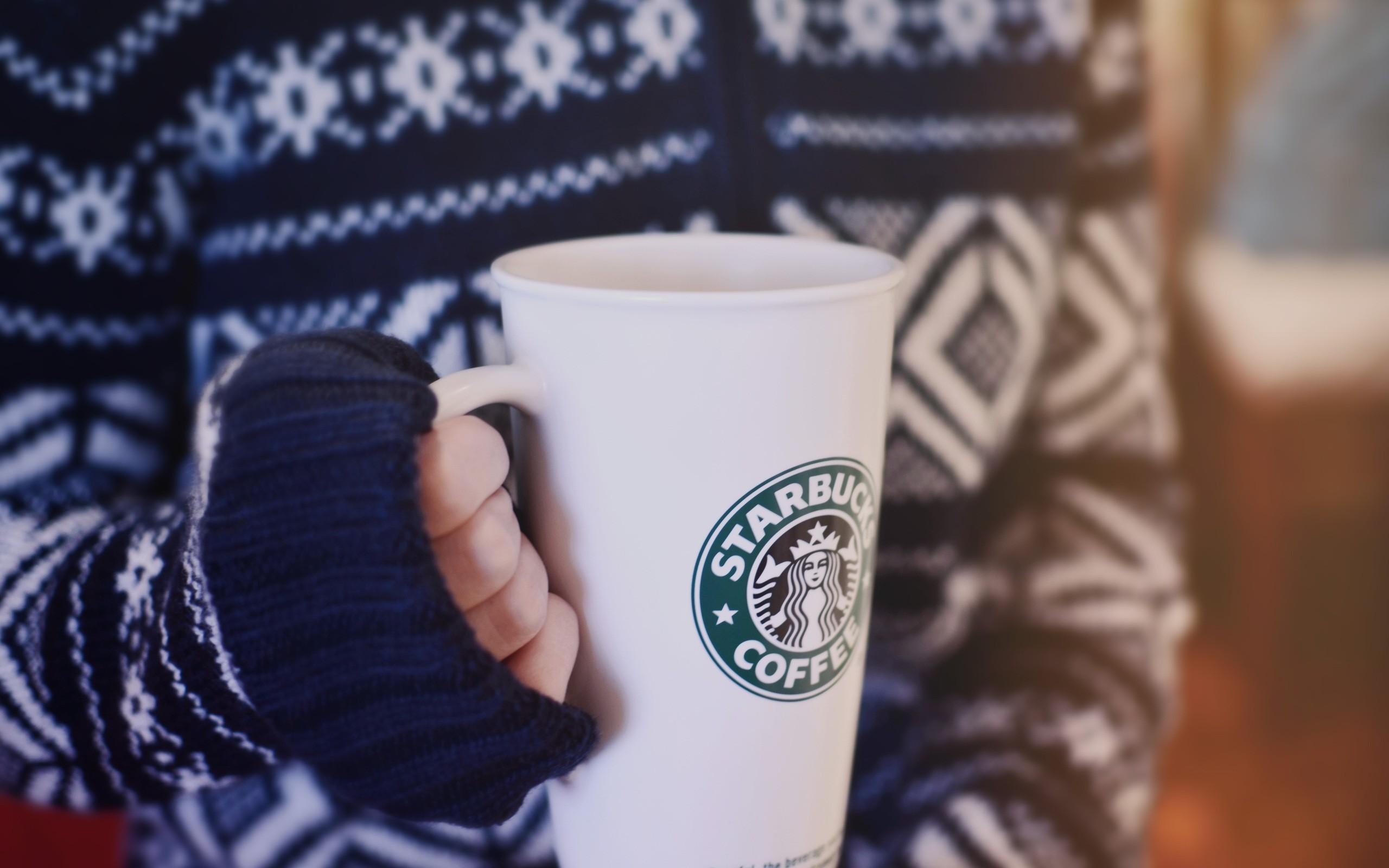 меня картинки кофе руки свитер эффектным