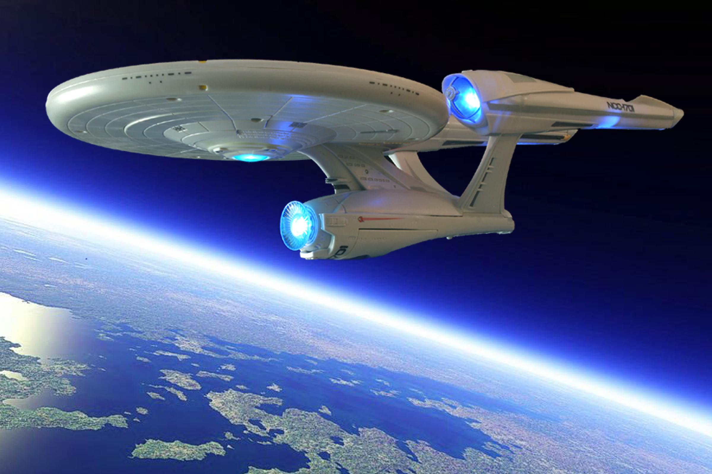 Wallpaper Startrek Enterprise Starship Playmates
