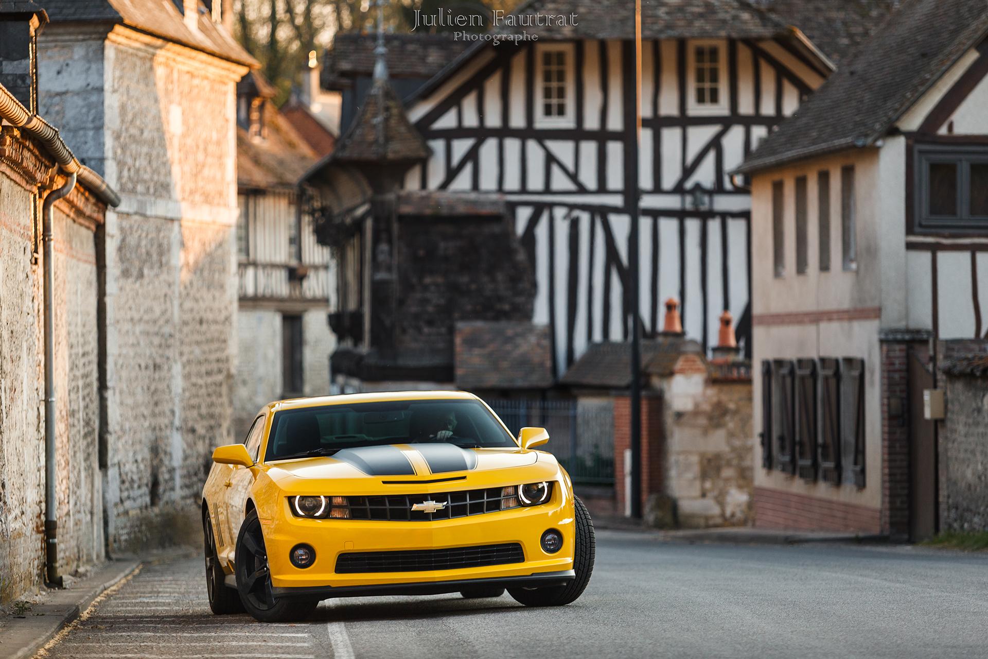 foto yellow chevrolet coche stock spark in editorial de depositphotos car en leipzig photo amarillo