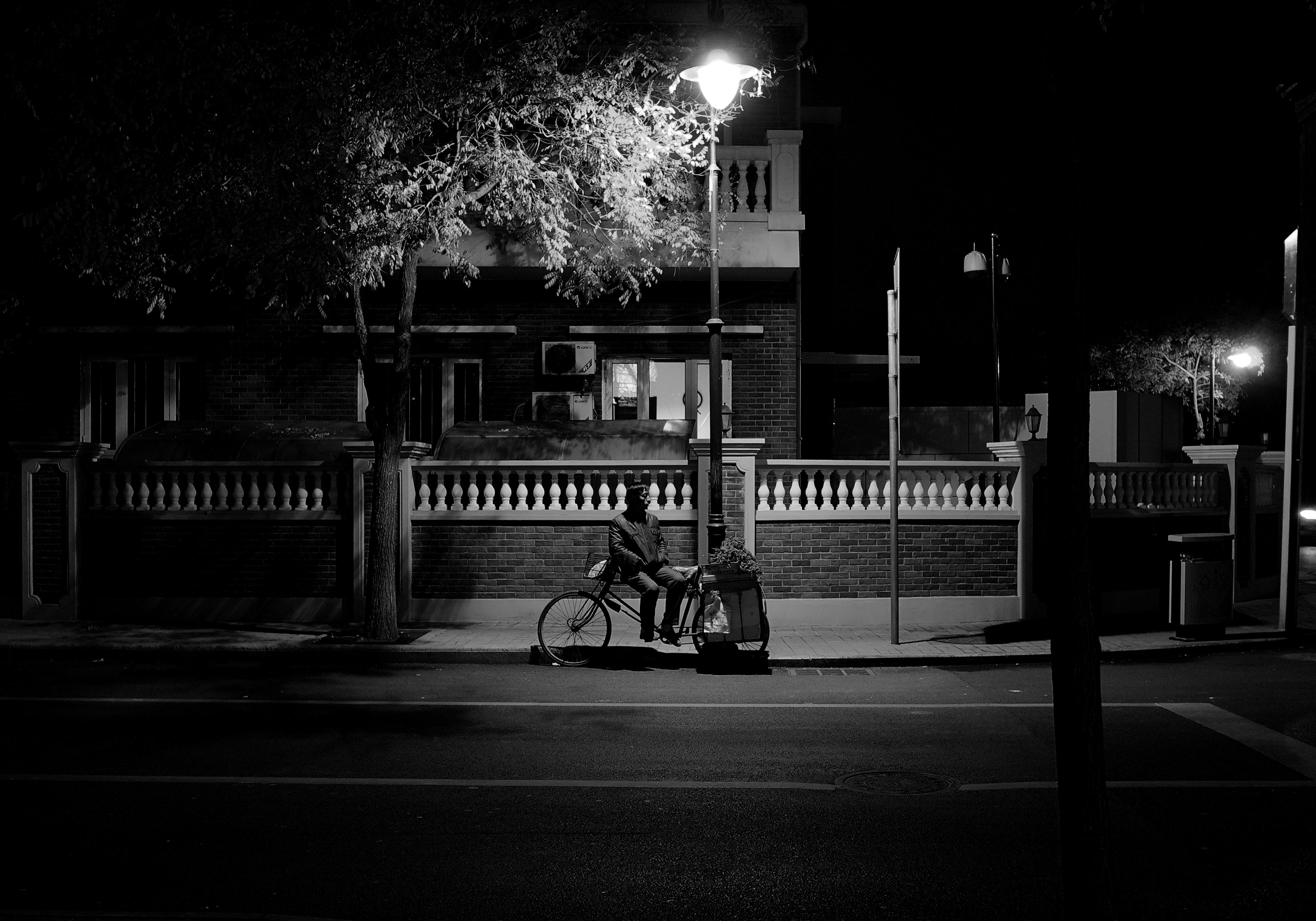 Street light white black monochrome city street night road photography infrastructure light bw stories lighting shape