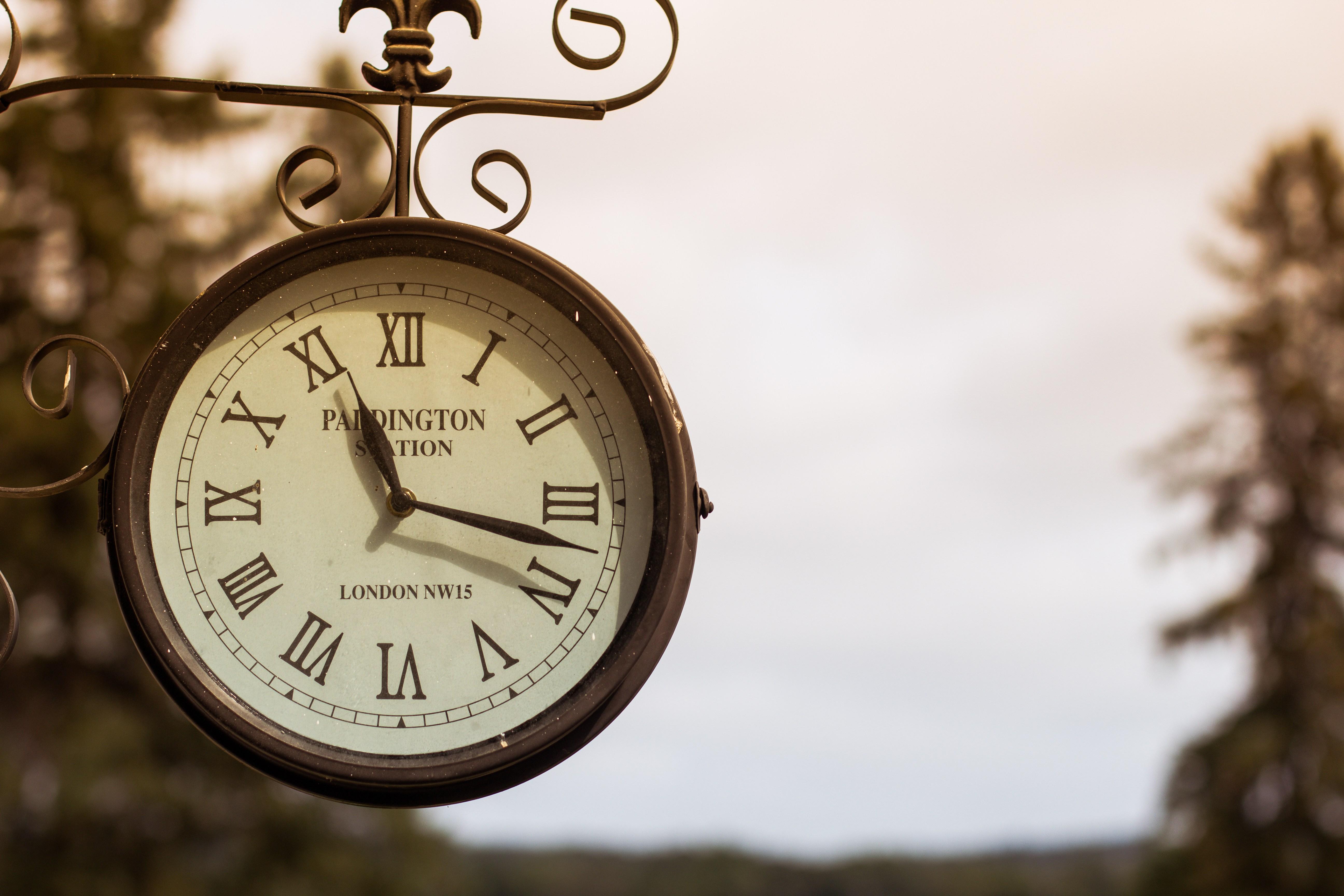 Street Watch Vintage Watches Hand Clock