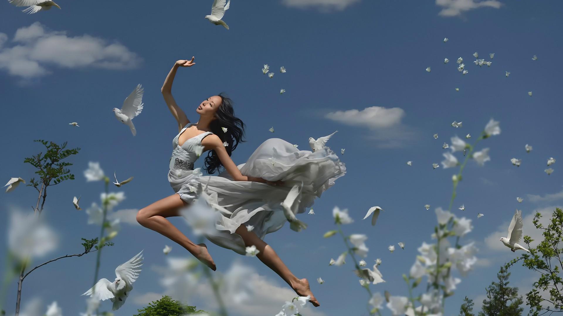 Цветы летящие в небе фото