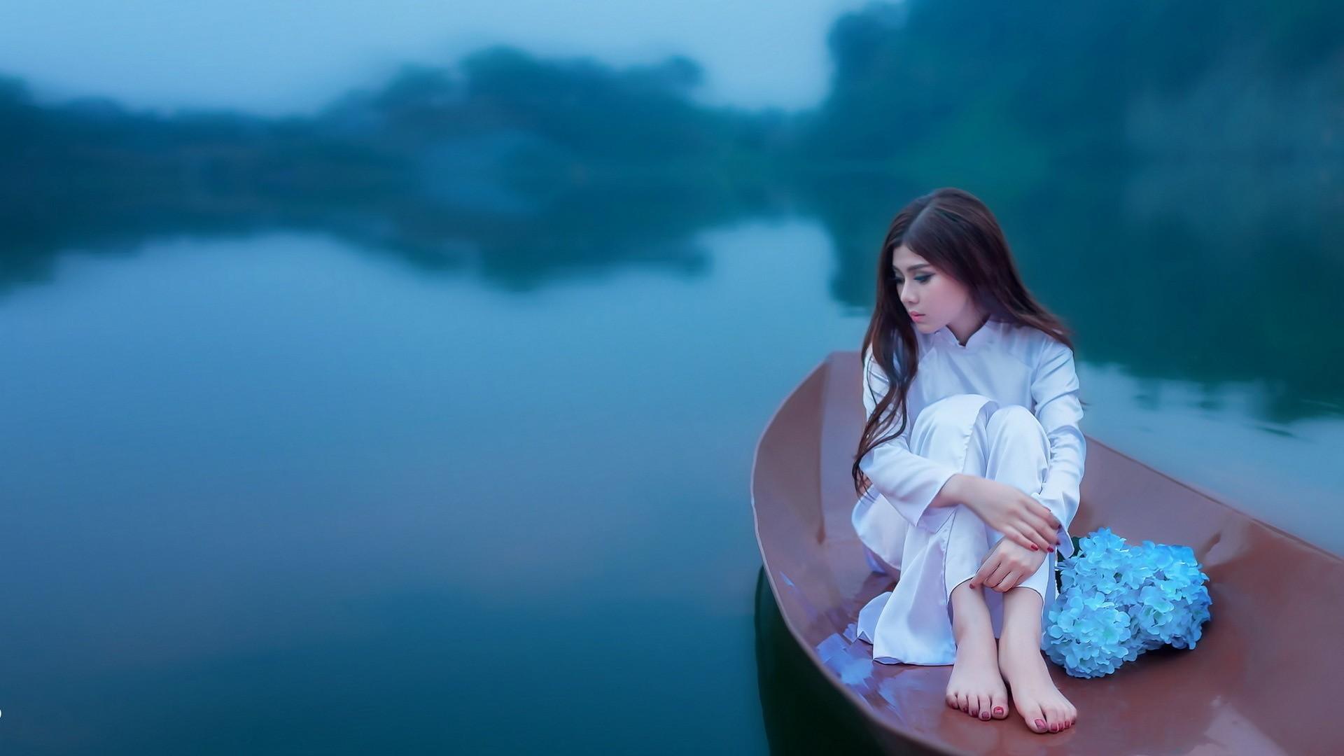 hintergrundbilder sonnenlicht boot frauen im freien frau modell meer blumen lange. Black Bedroom Furniture Sets. Home Design Ideas