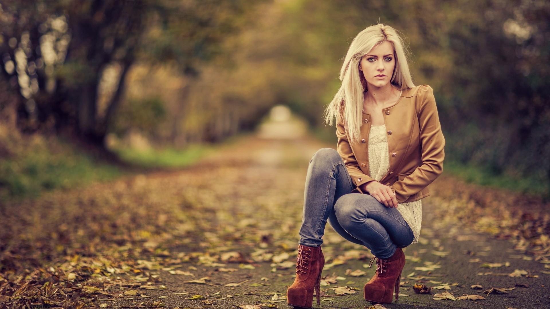 outdoors Blonde kneeling