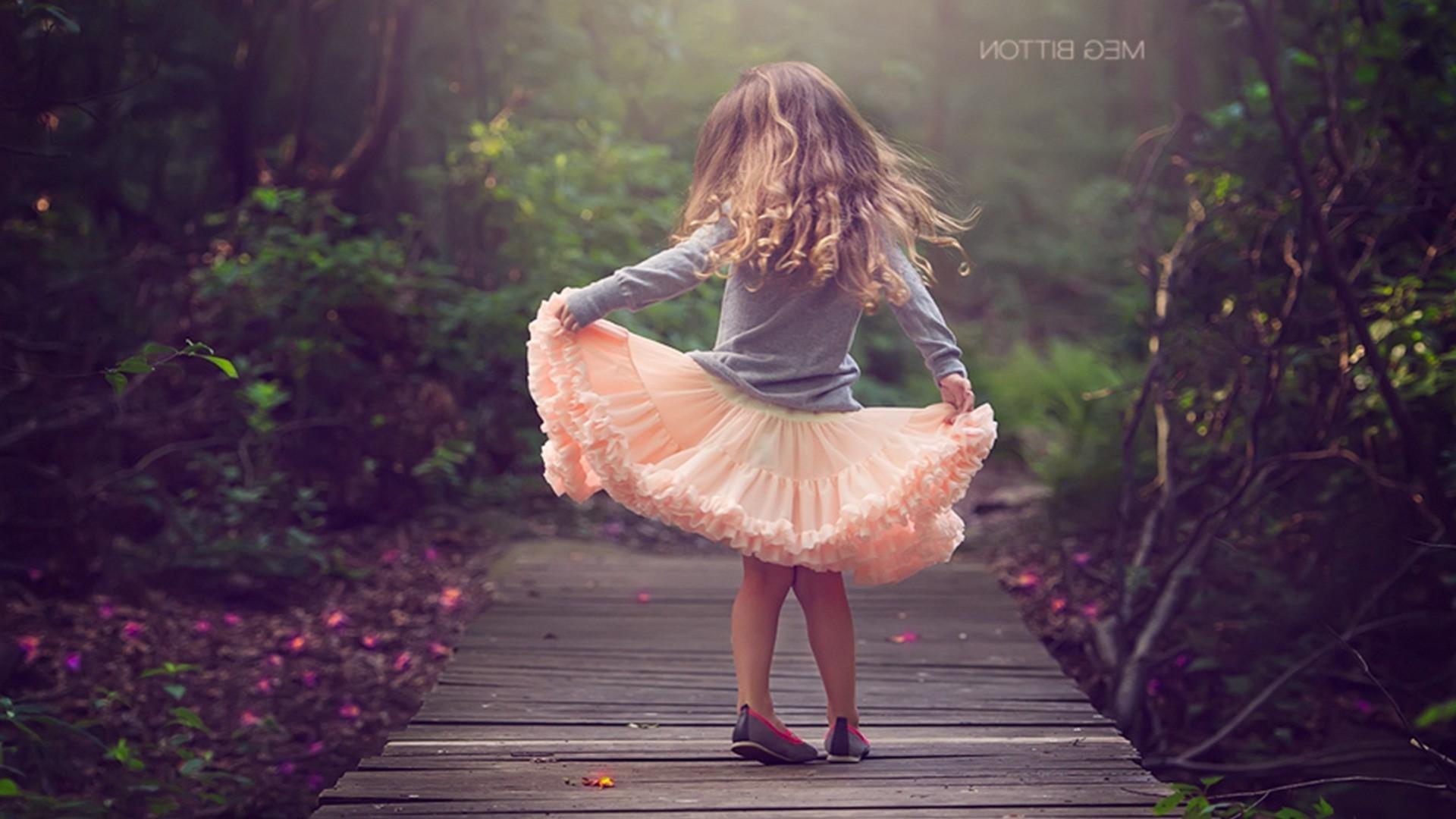 Девочка на побегушках картинка