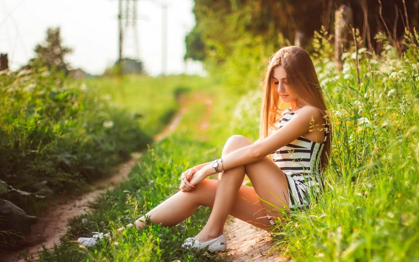 Фото на природе летом девушка идеи