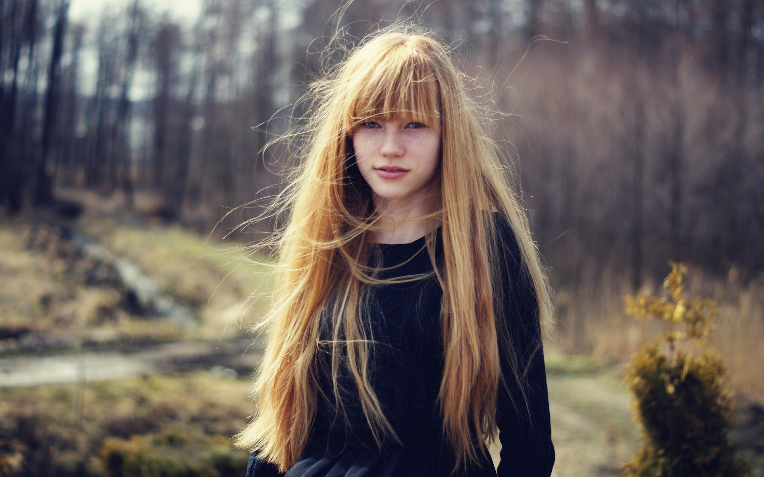 Картинка девочка русые волосы