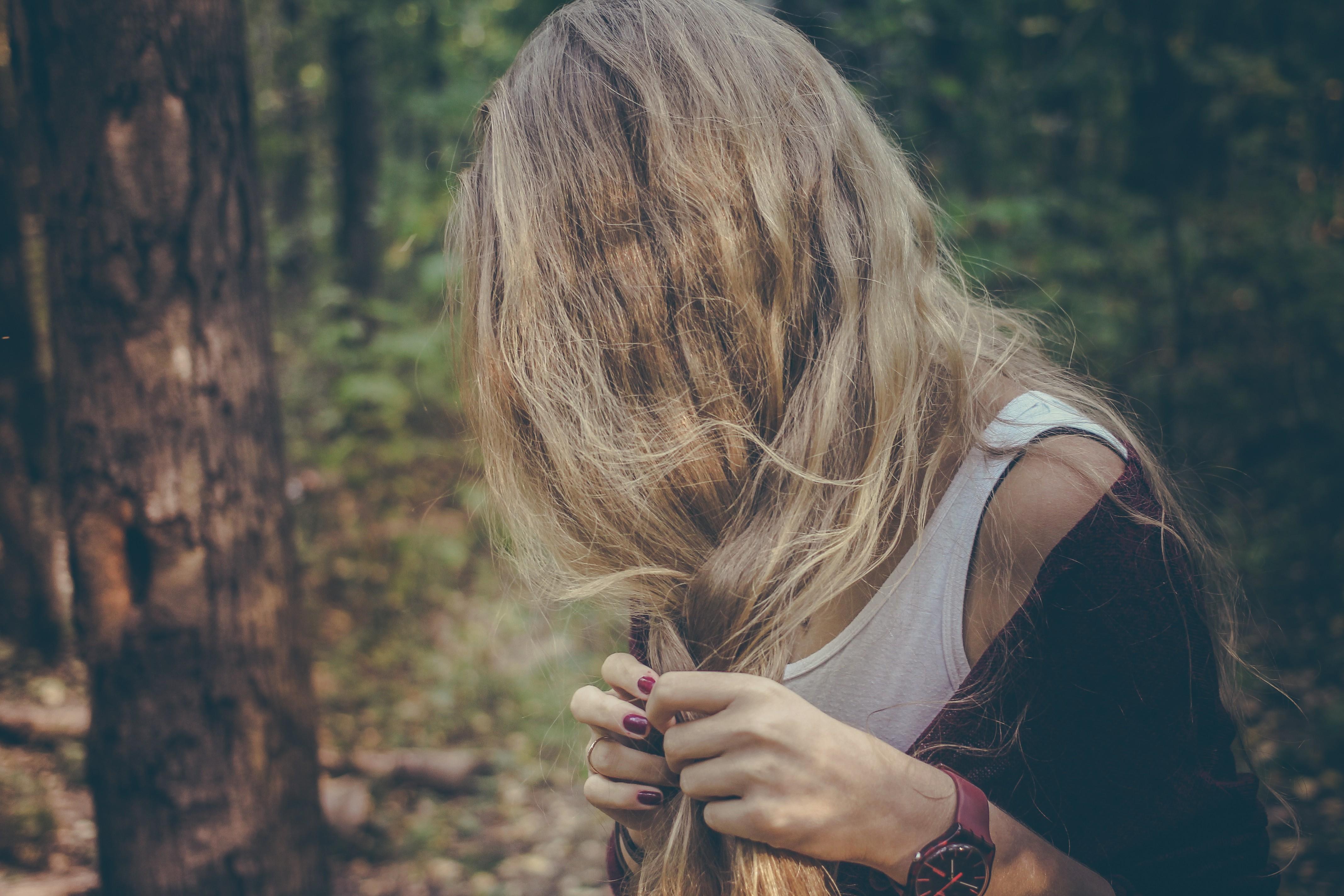 создать прикольные картинки с русыми волосами открытки