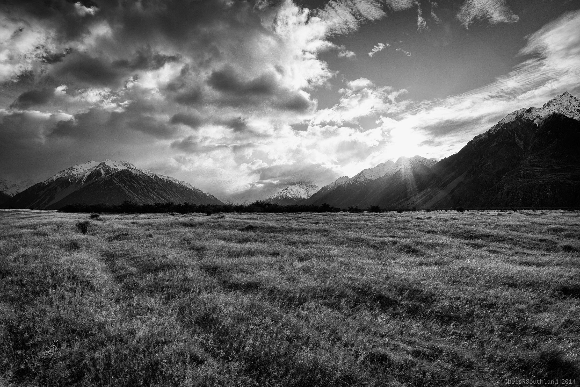デスクトップ壁紙 日光 山々 丘 自然 草 空 イブニング 朝