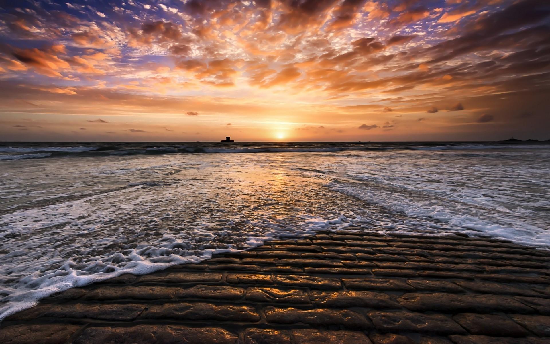 картинки закат на берегу моря возникает из-за неровностей