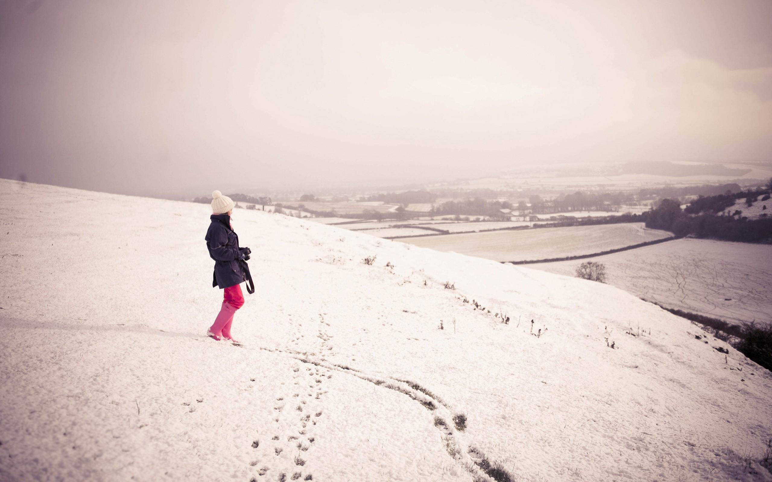 Фото девушек со спины зима фото